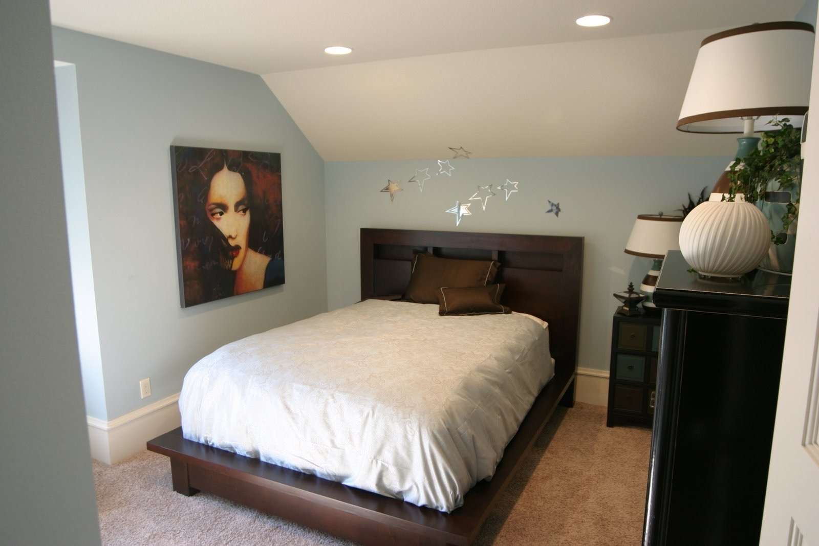 Small Modern Attic Bedroom (Image 20 of 23)