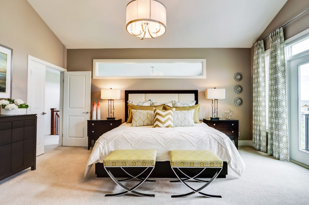 Sophisticated Modern Master Bedroom Interior Furniture (Image 26 of 28)