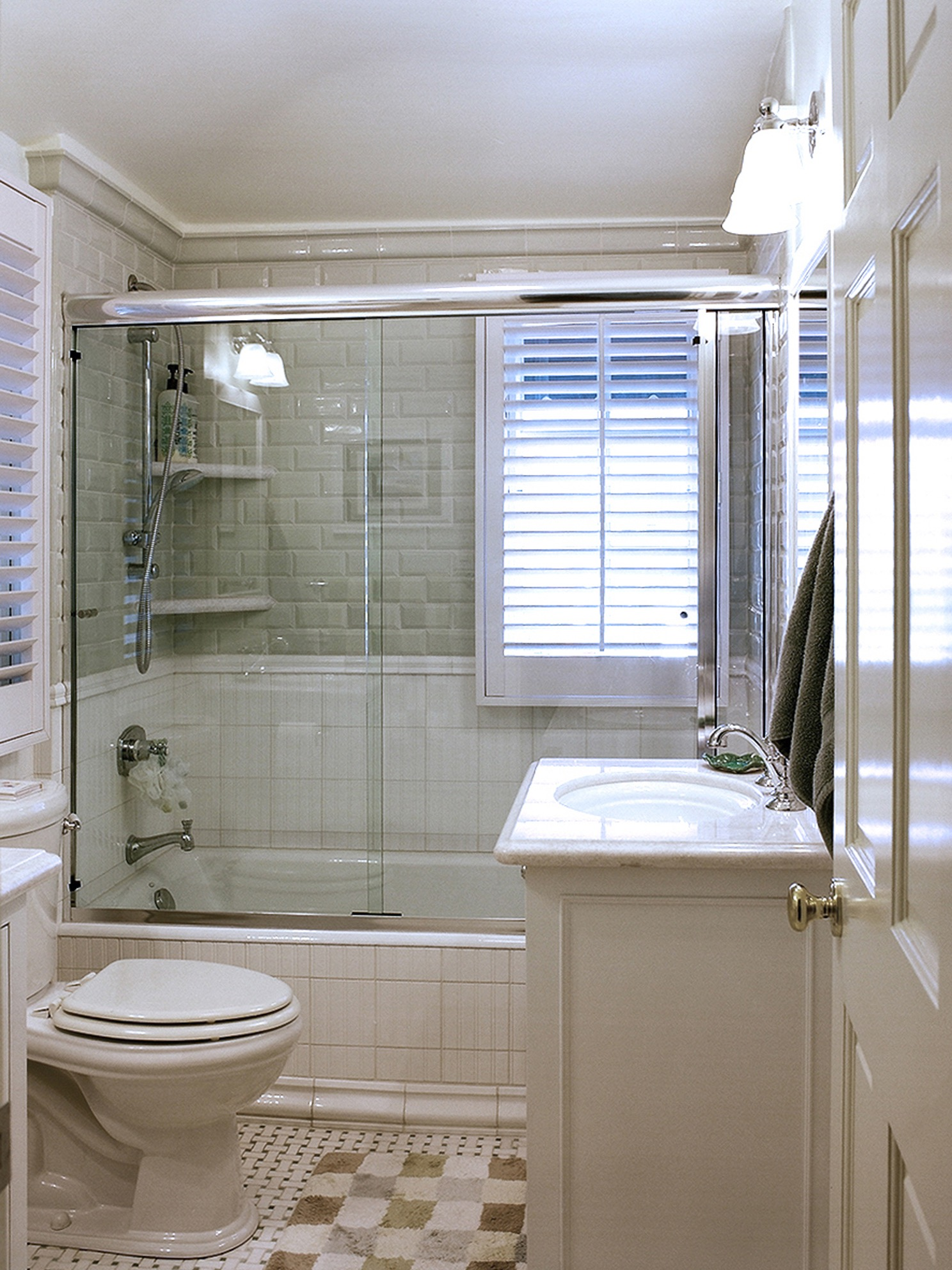 Traditional Bathroom With Bathtub And Frameless Glass Shower Combination (View 16 of 19)