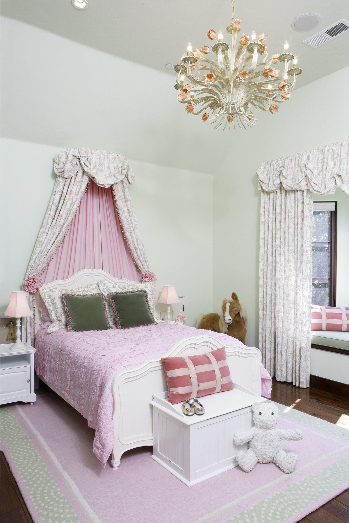 Traditional Light Green Girl's Room With Pink Bedding (View 14 of 30)