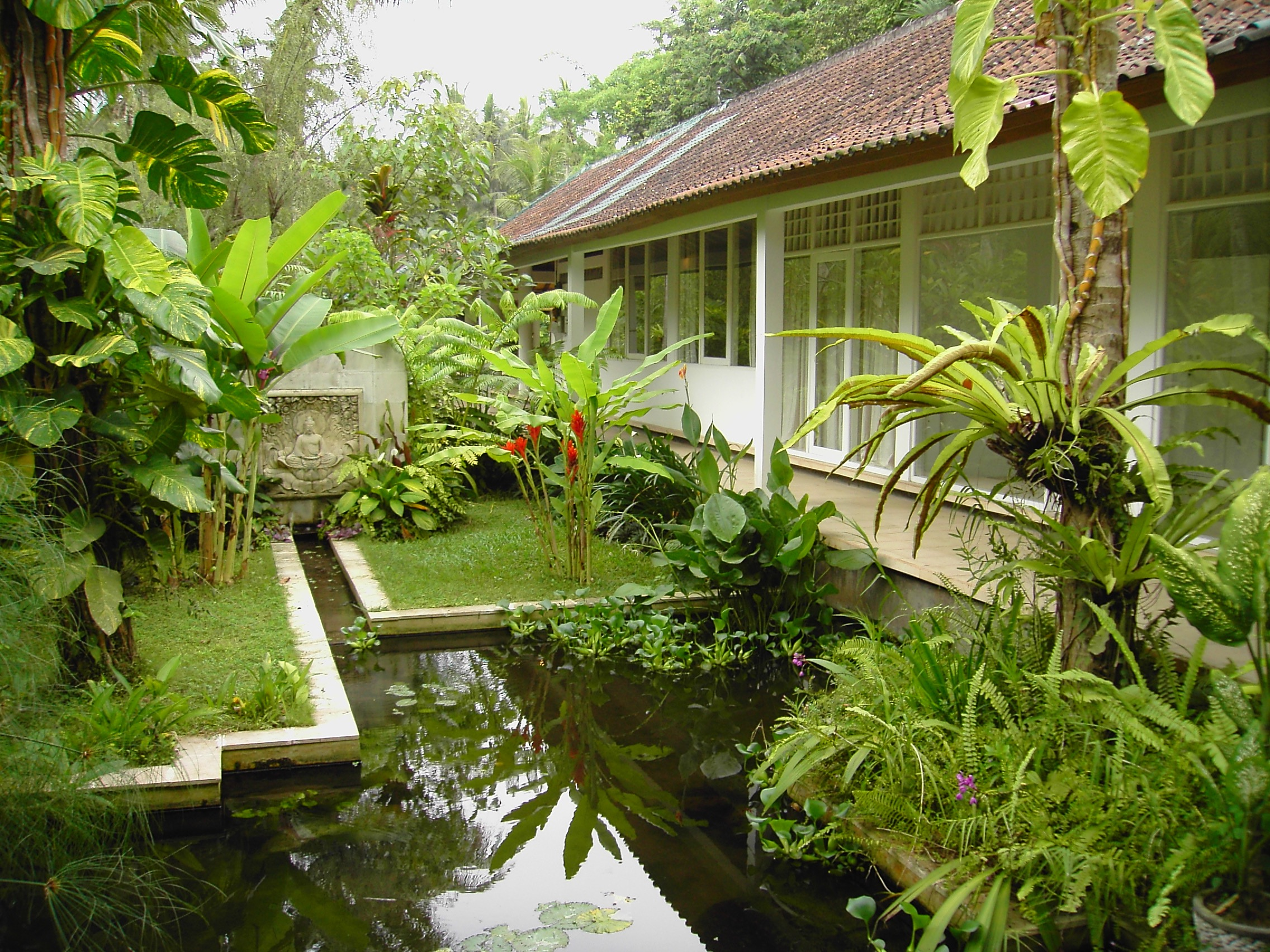 Tropical Home Garden Design Ideas (Image 20 of 26)