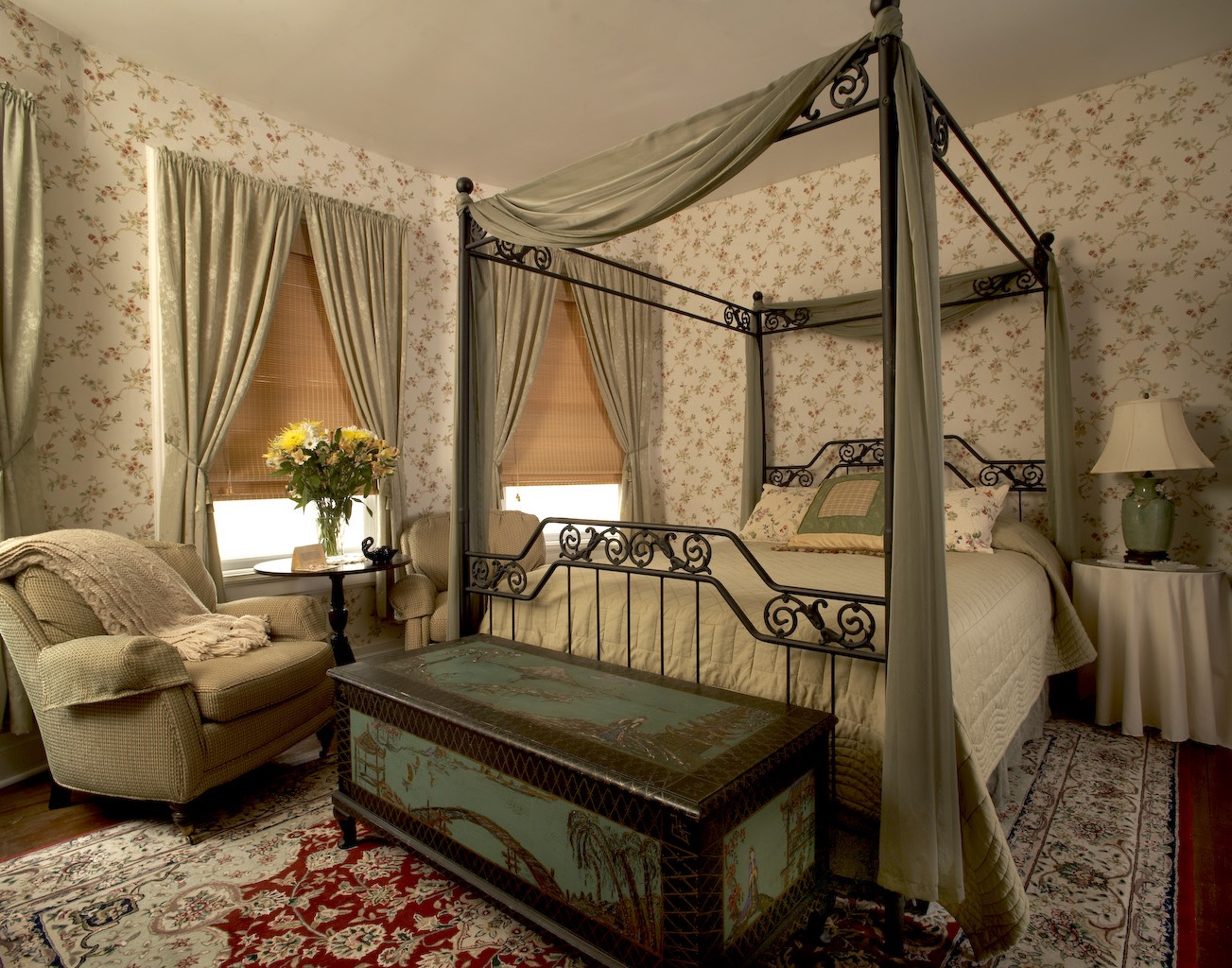Victorian Ideas Comfortable Bedroom (Image 18 of 19)