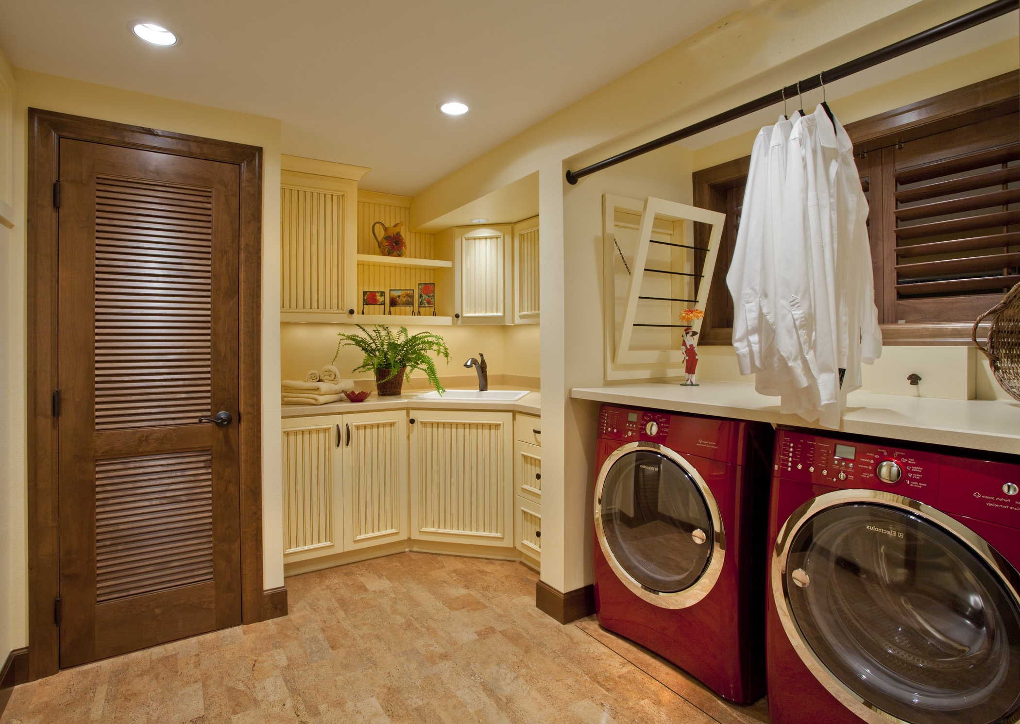 Apartment Laundry Room And Corner Kitchen Interior Combination (Image 1 of 7)