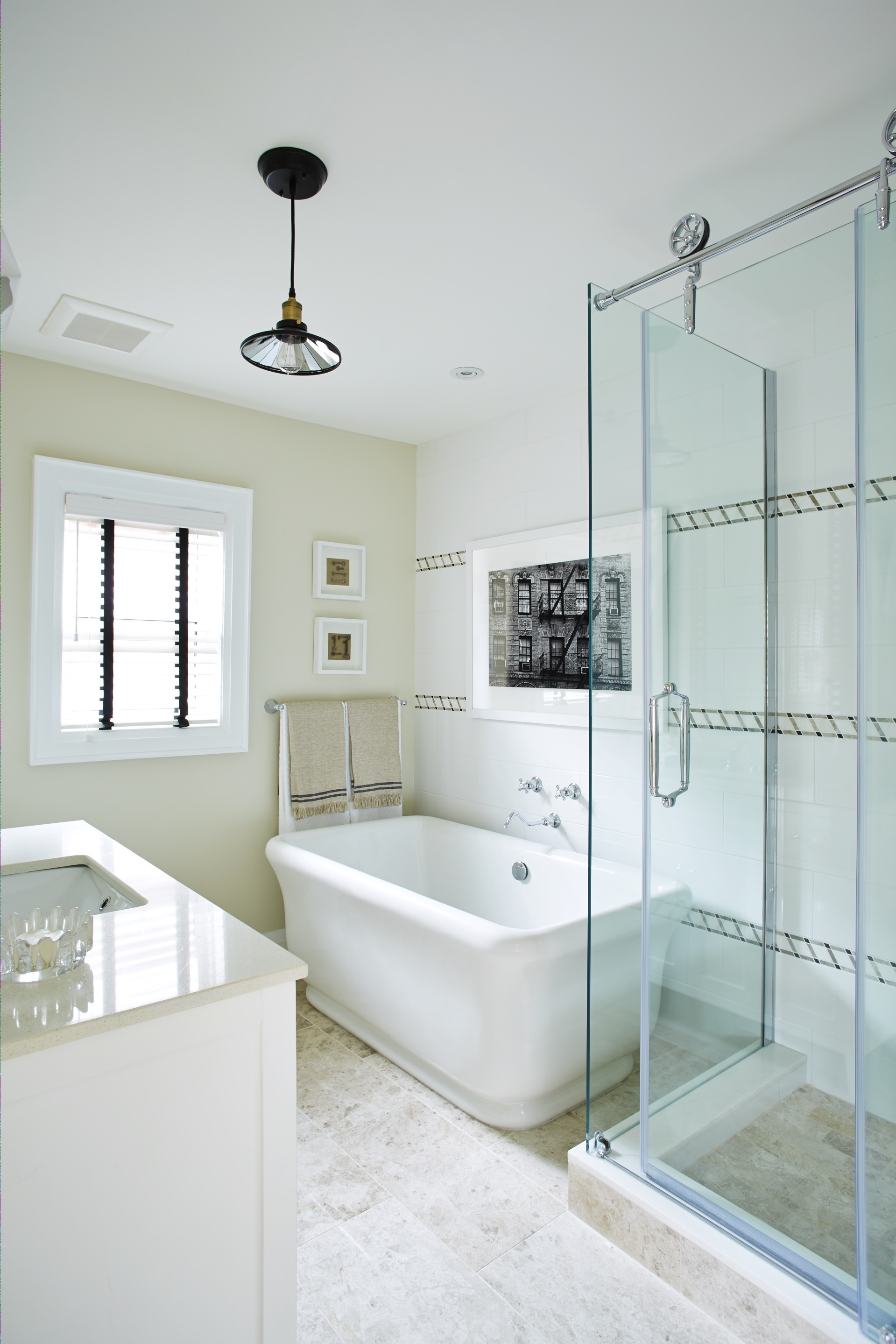 Beauty Classic Modern Design Combo For Bathroom With Shower And Tub (Image 3 of 19)