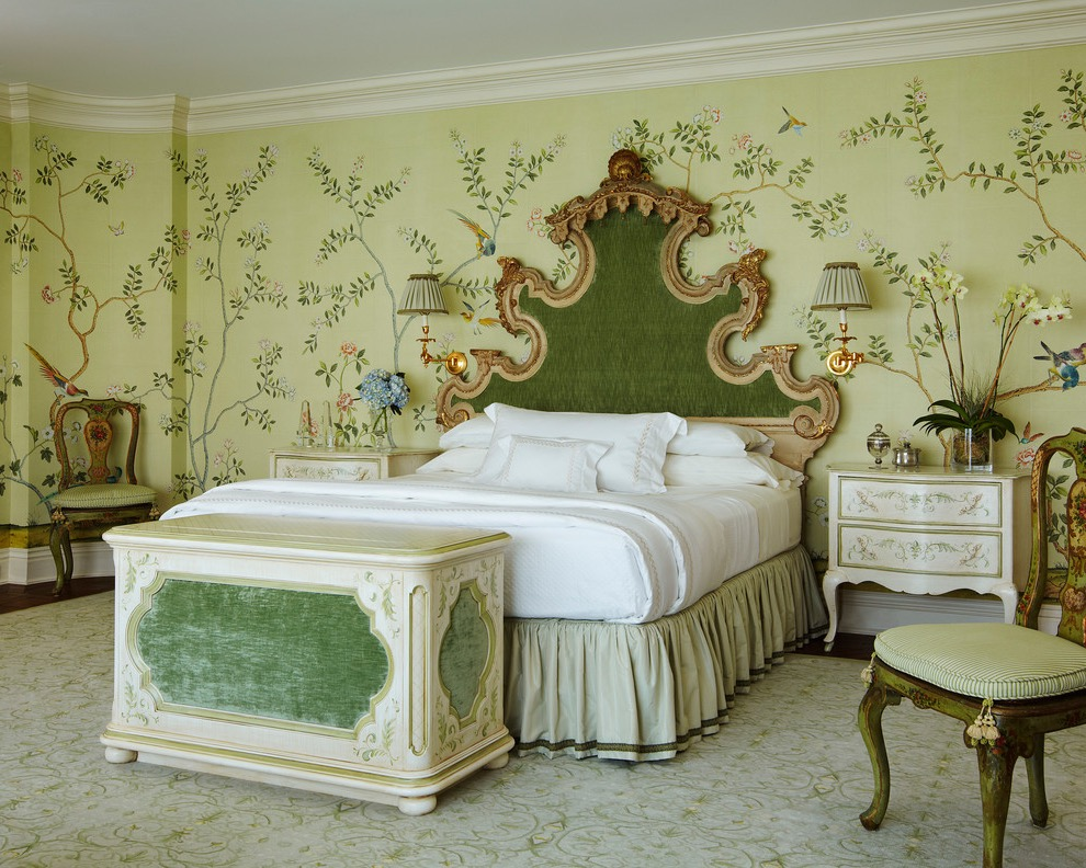 Classical Victorian Bedroom Decor With Green Wallpaper (Image 2 of 19)