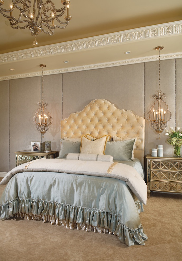 Classy And Glamour Victorian Bedroom (Image 3 of 19)