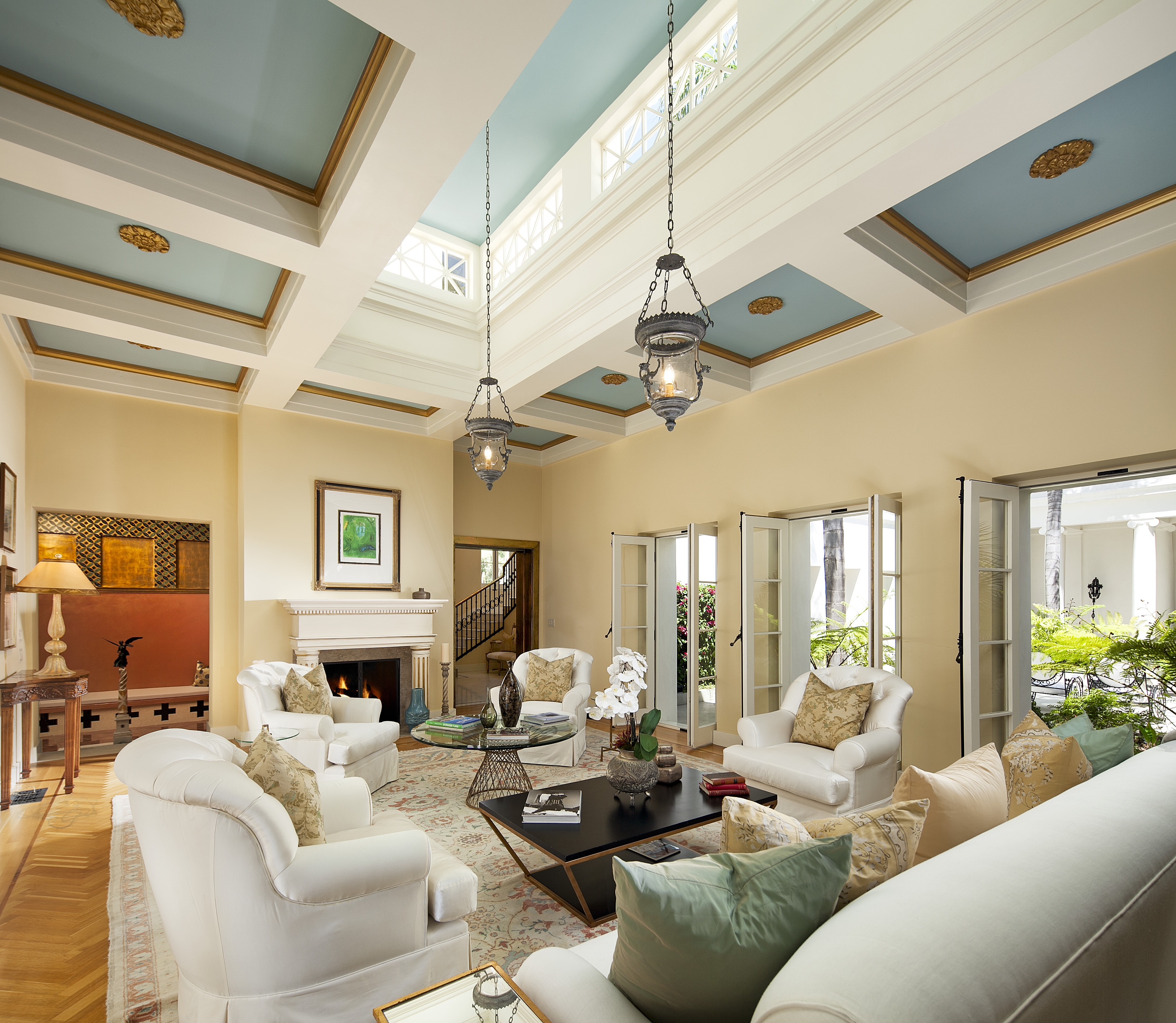 Comfy Mediterranean Inspired Living Room Interior (Image 2 of 25)
