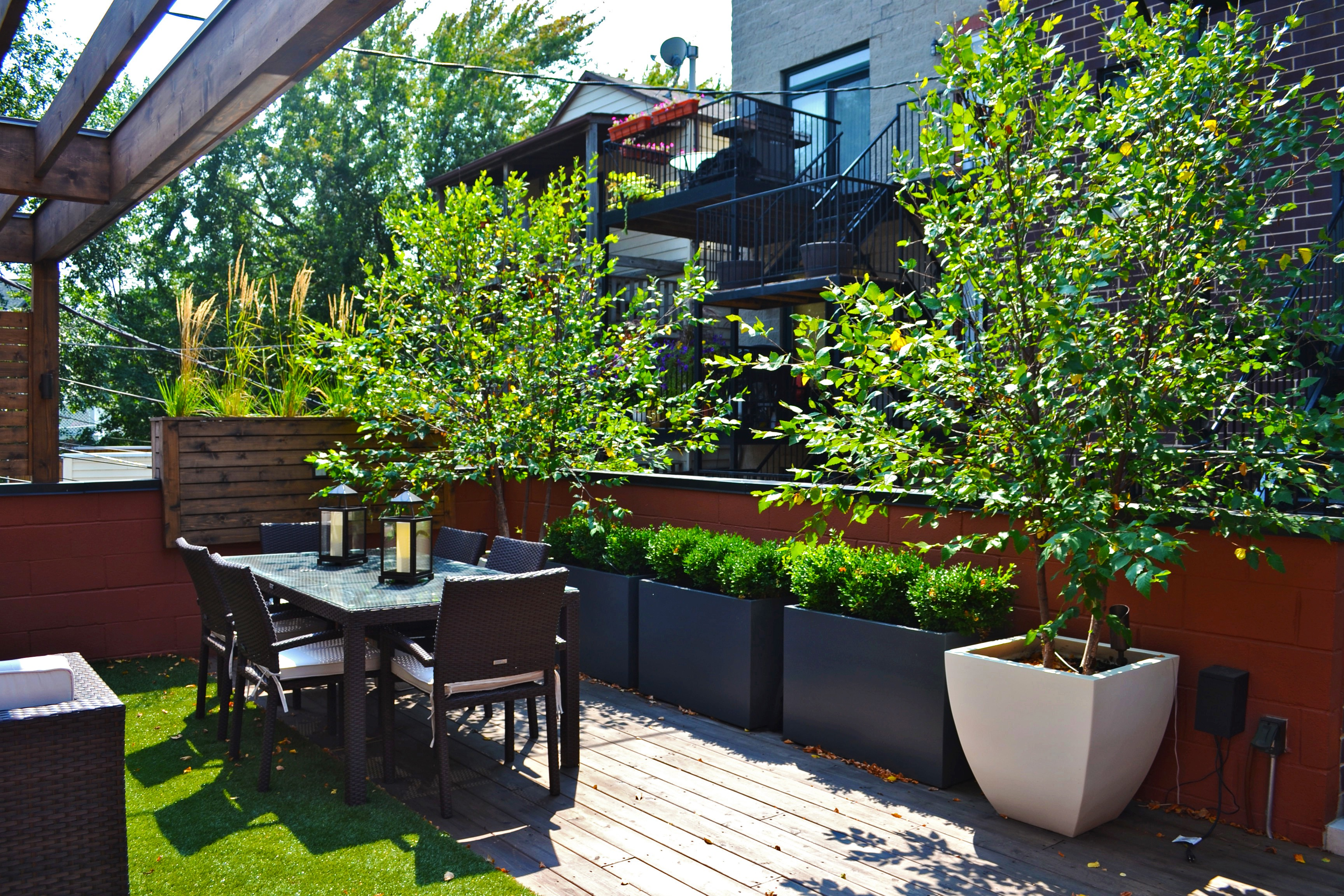 Contemporary Urban Rooftop Deck Garden (Image 17 of 35)