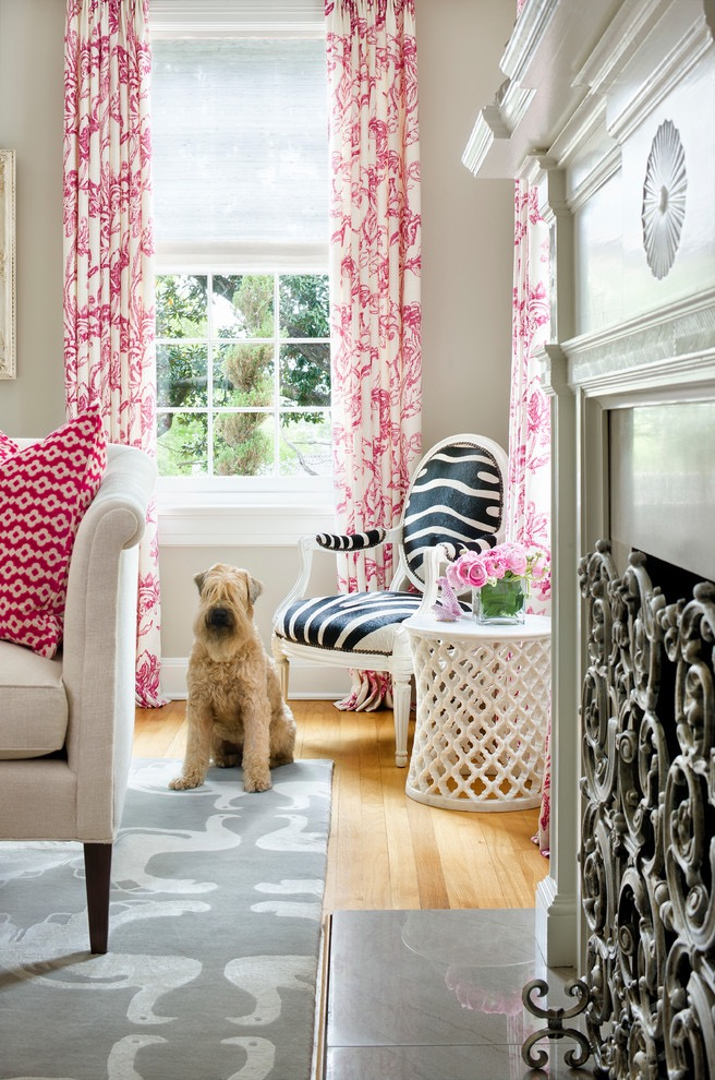 Cute Living Room Curtain Pink Color Ideas (Image 10 of 25)