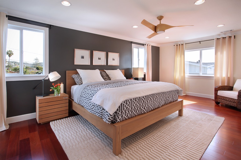 Grey Paint Color For Traditional Bedroom With Modern Touch (Image 9 of 22)
