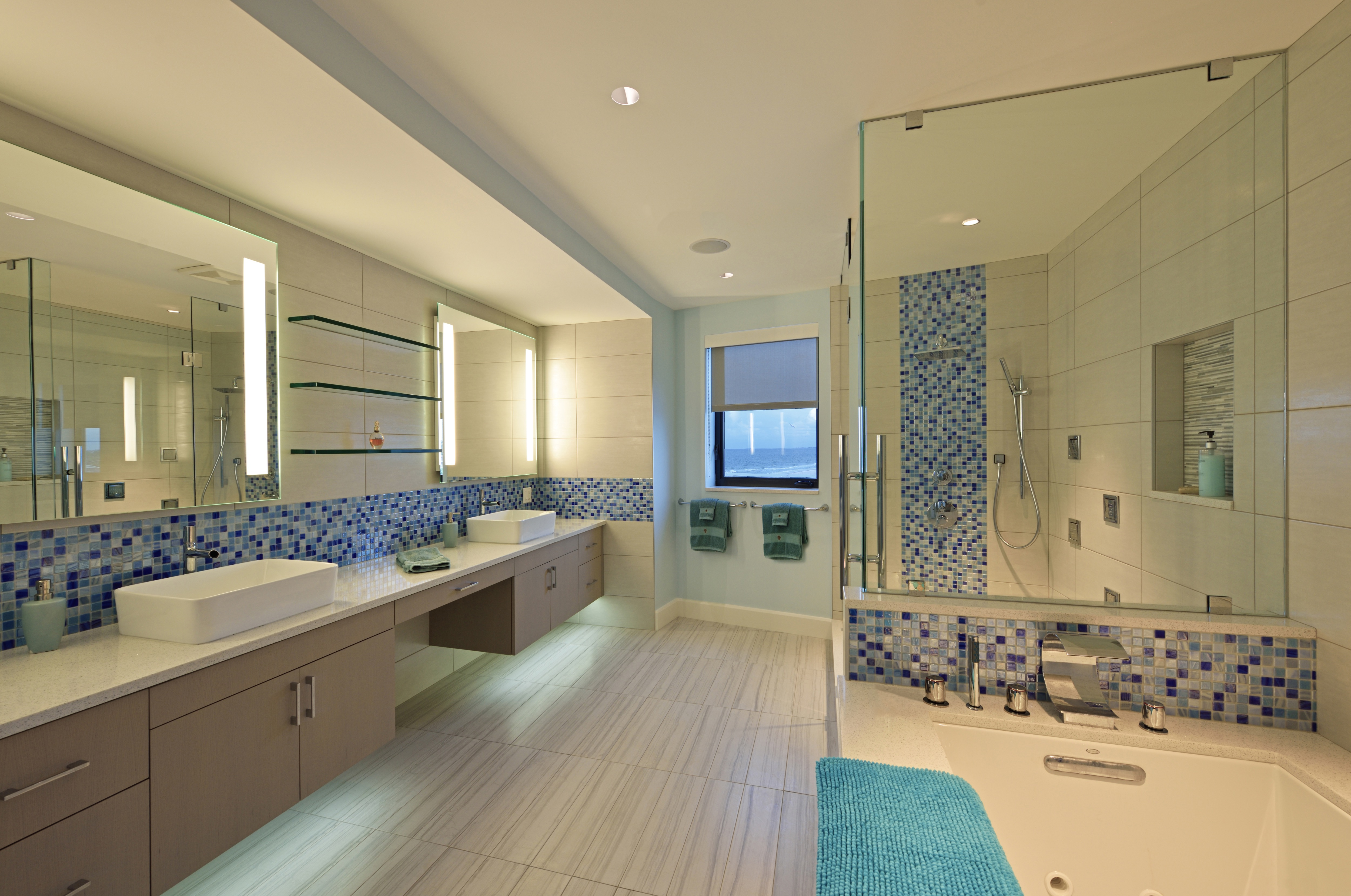 Luxurious Modern Walk In Shower Interior  (Image 8 of 22)
