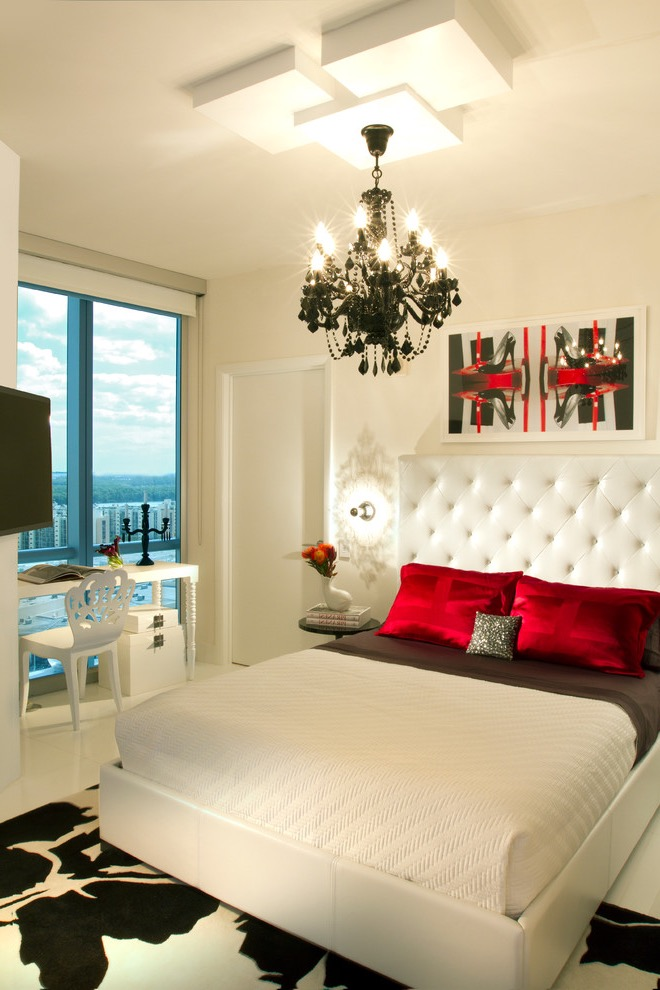 Luxury Romantic Bedroom Design For Small Apartment (Image 13 of 16)