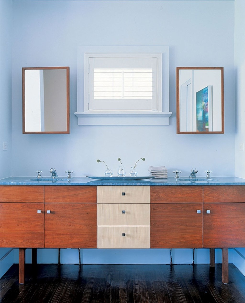 Minimalist Flat Panel Cabinets And Furniture For Modern Bathroom Interior (View 7 of 18)