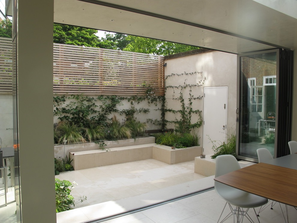 Minimalist Modern Garden Backyard (Image 10 of 28)