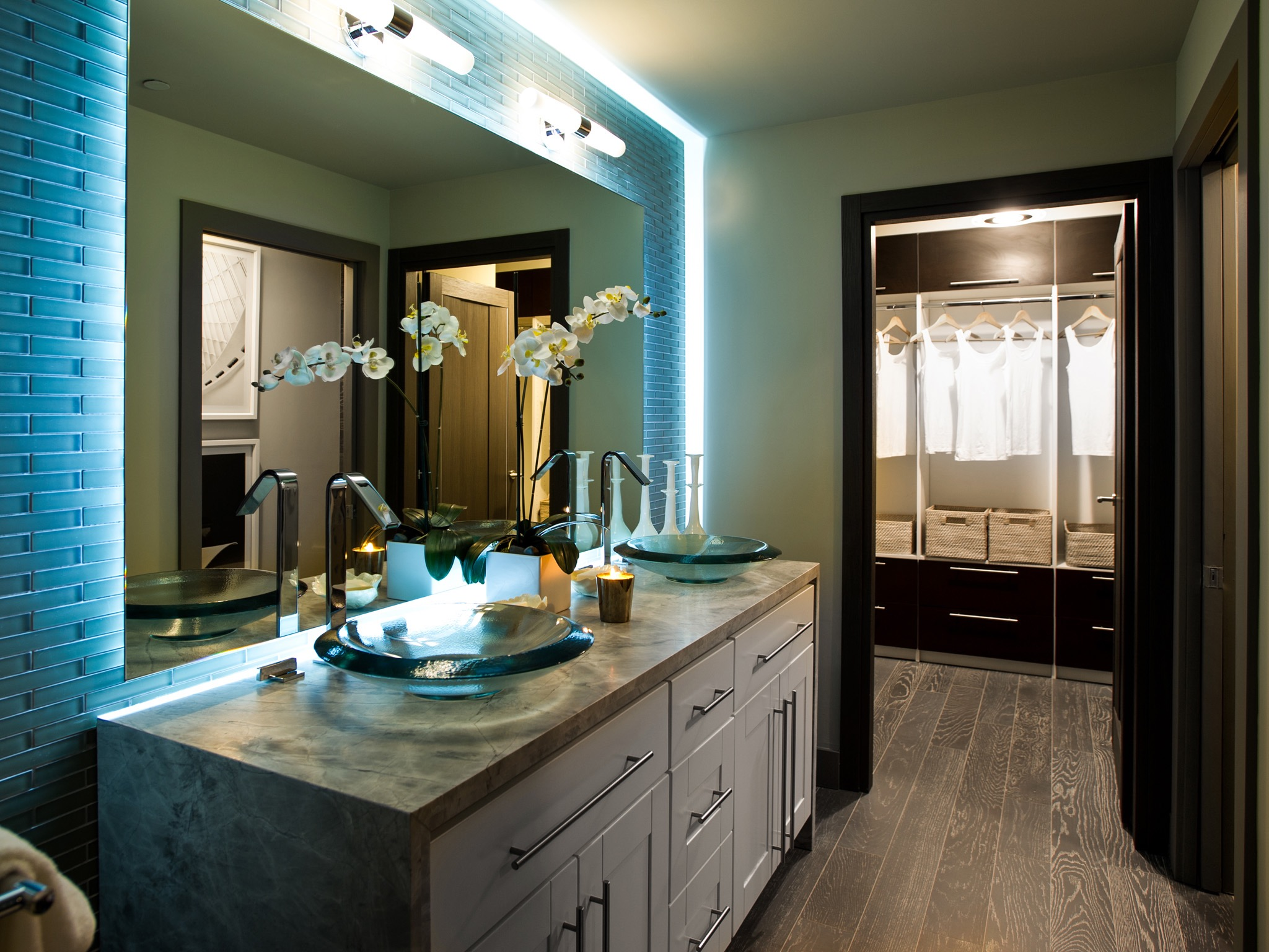 Modern Backlit Vanity Lighting For Modern Bathroom (Image 10 of 19)