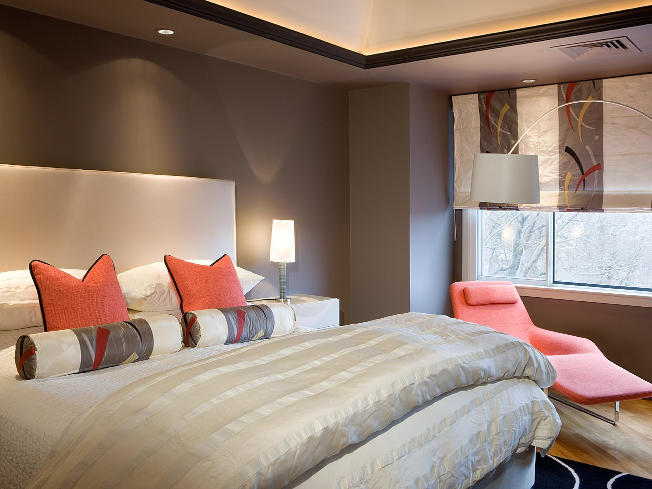 Modern Bedroom With Upholstered Headboard And Neutral Bedding (Image 14 of 23)