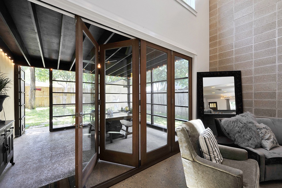 Modern Bifold Doors For Home Office Open To Living Room Interior (Image 14 of 24)
