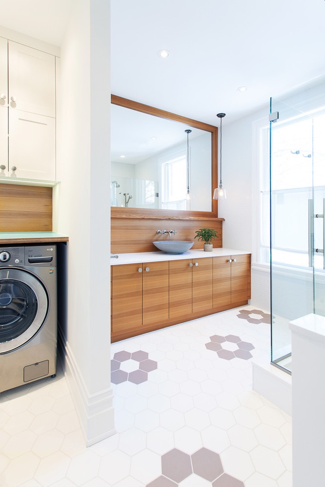 Modern Large Bathroom And Laundry Room Combine (Image 11 of 15)