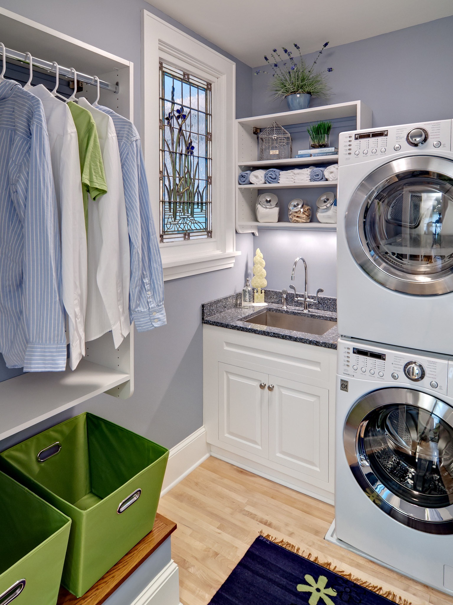 Small Modern Laundry Room For Apartment Interior (Image 18 of 26)