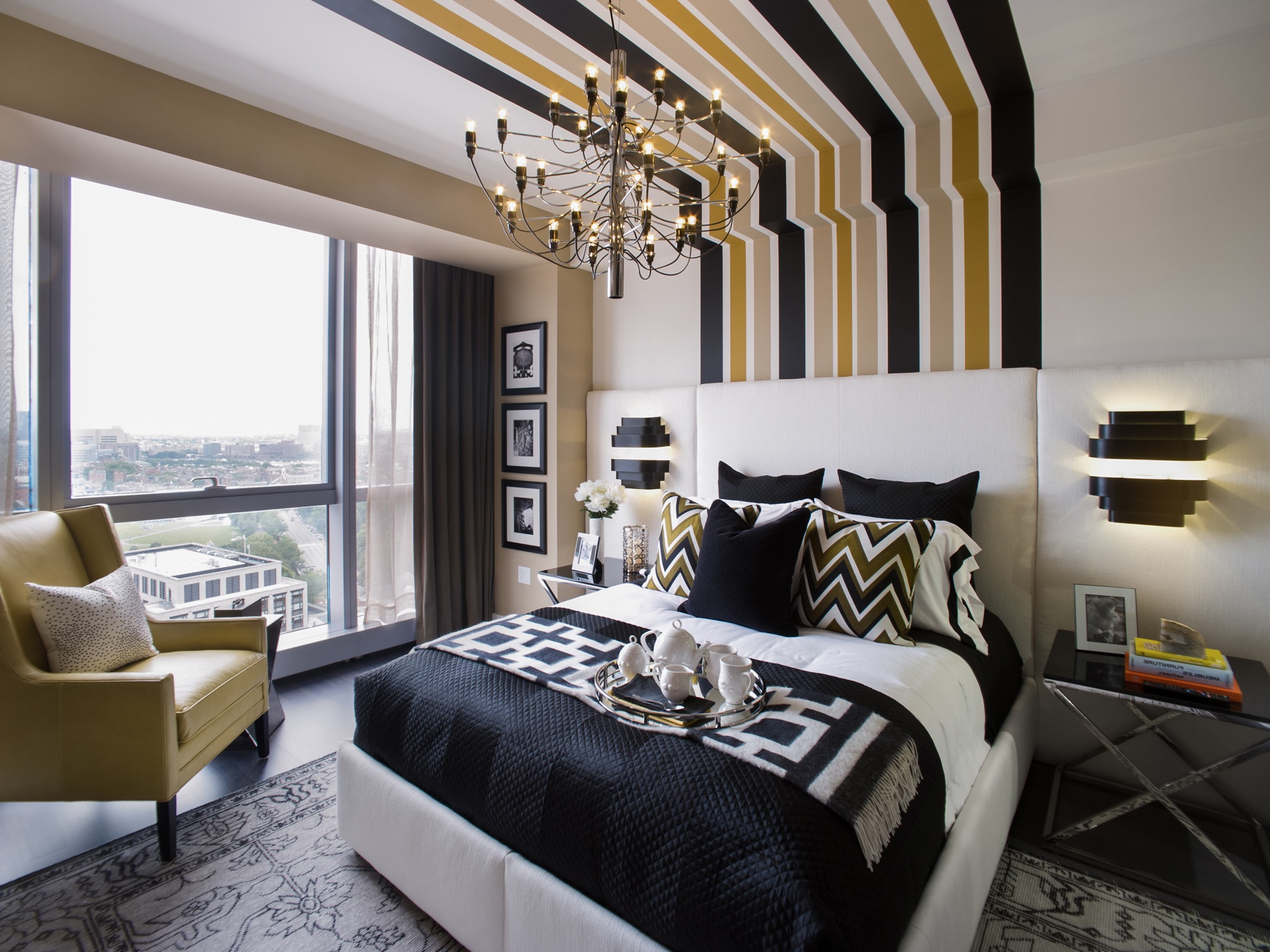 Stunning Apartment Family Bedroom With Modern Wall Decor (Image 30 of 30)