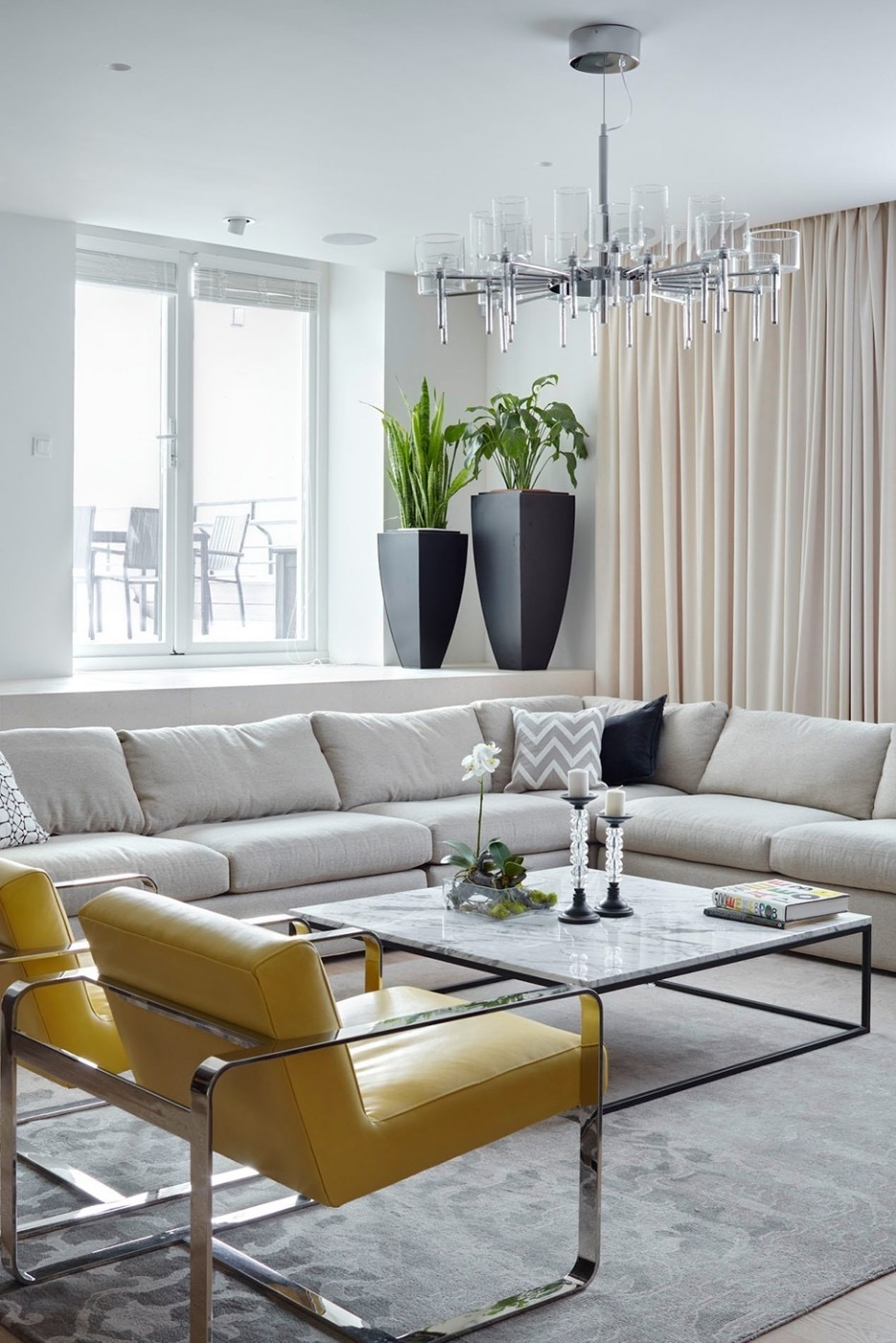 Stylish Crystal Chandelier For Minimalist Living Room (Image 16 of 18)
