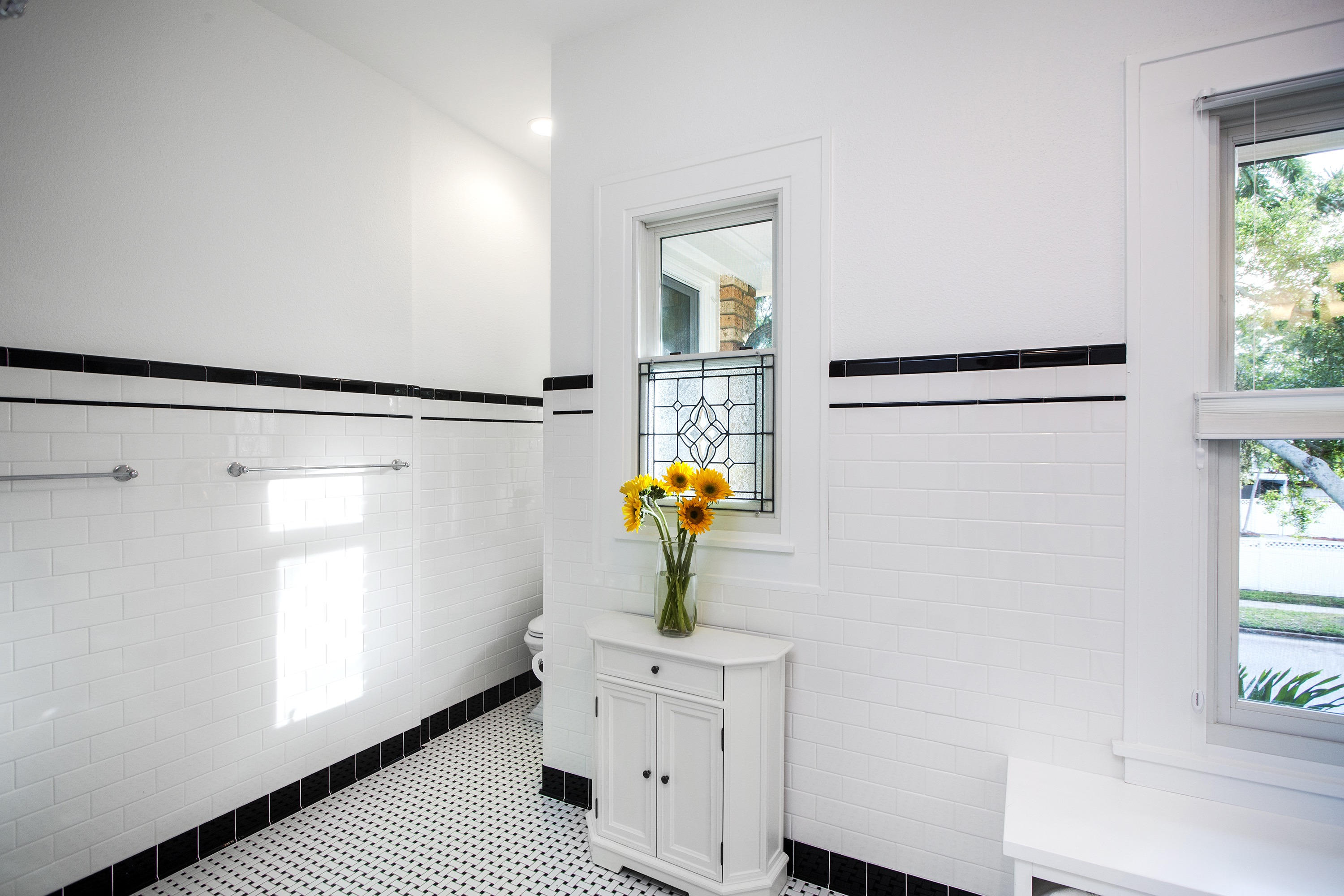 Sunflower Decor For Modern White Bathroom Accessories (View 14 of 14)
