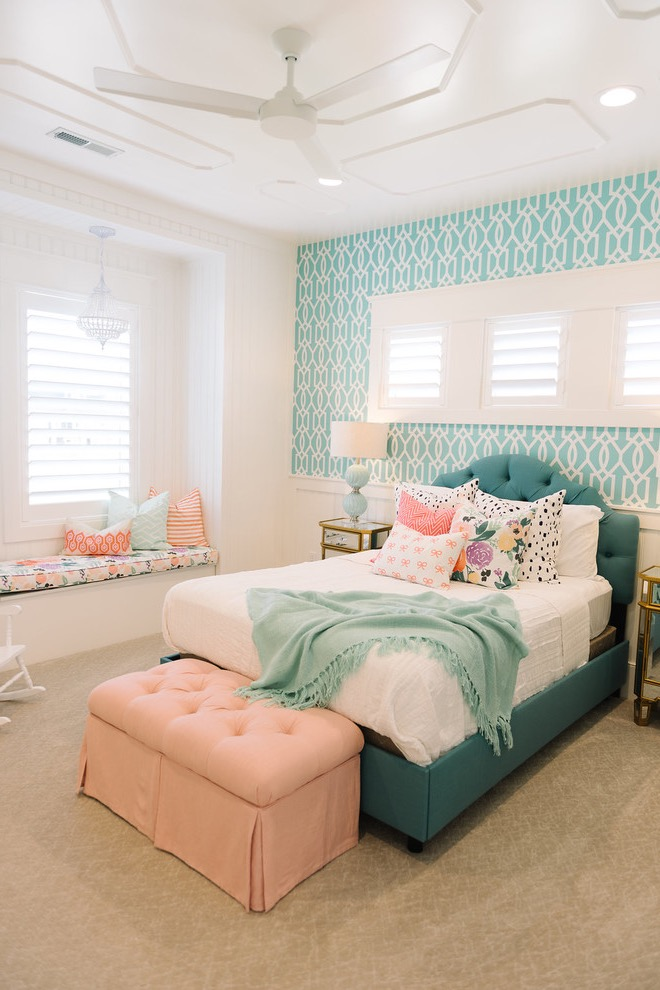 Sweet And Sophisticated Girls Bedroom Decor And Color Scheme (View 22 of 30)