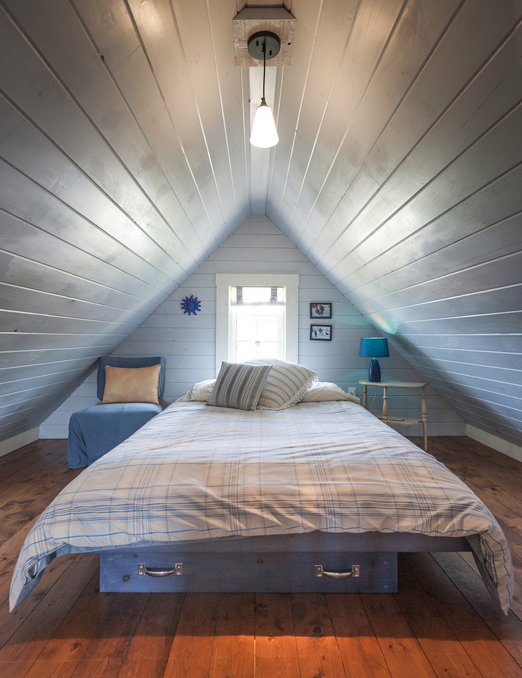 Wood Attic Bedroom In Beach Style (View 20 of 23)