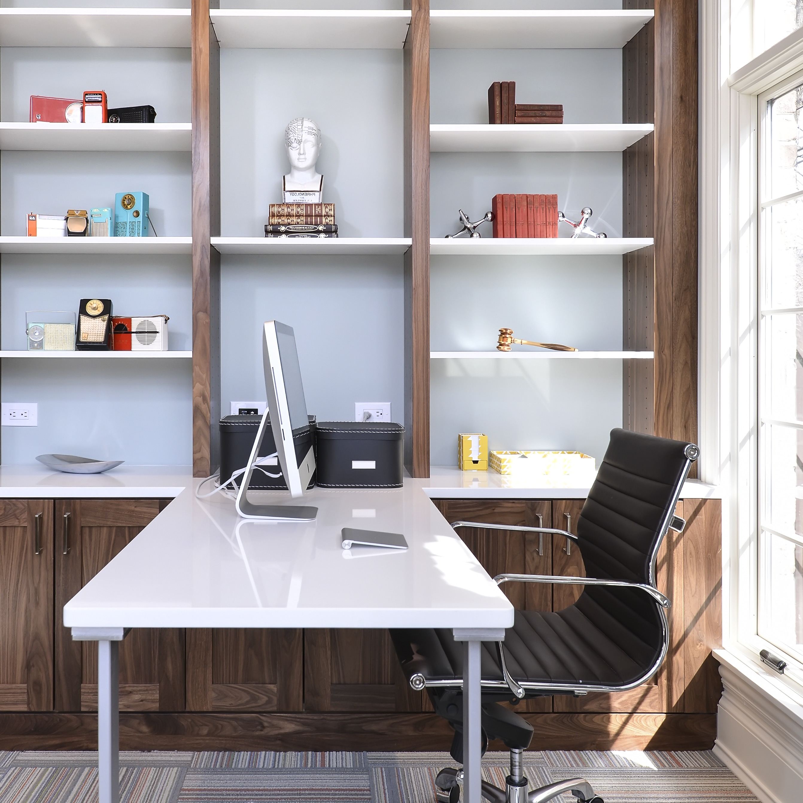 2017 Sleek Contemporary Home Office (View 6 of 50)