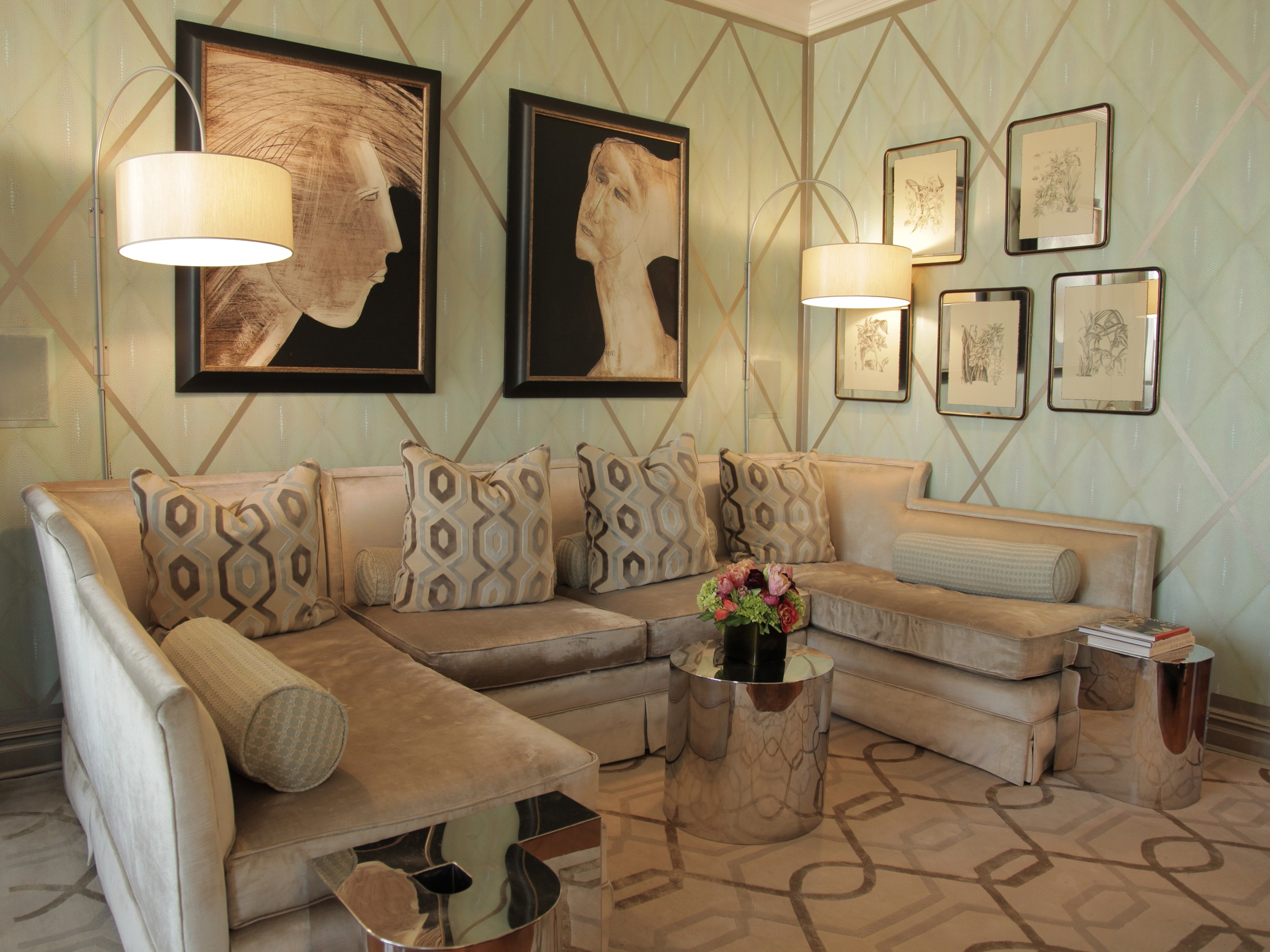 Art Deco Living Room With Patterned Wall (Image 3 of 20)