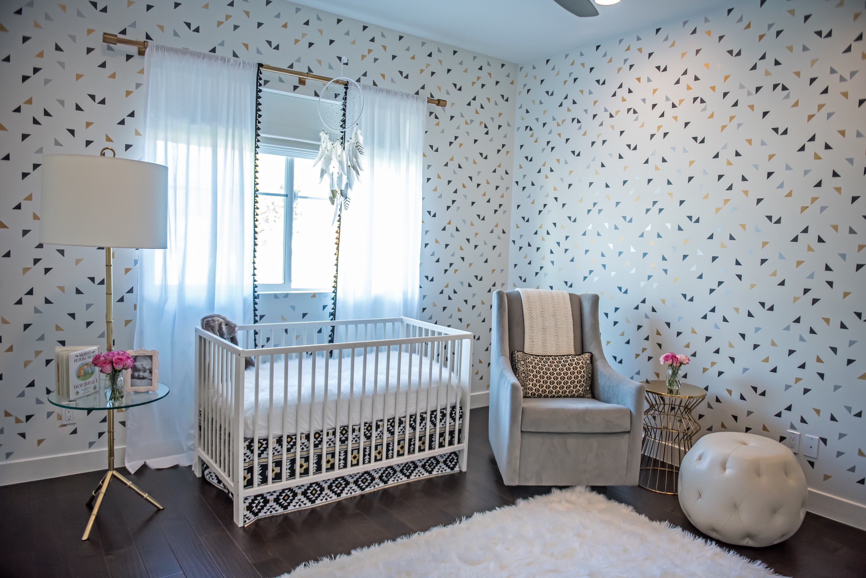 Black And White Nursery With Simple White Crib (Image 3 of 33)