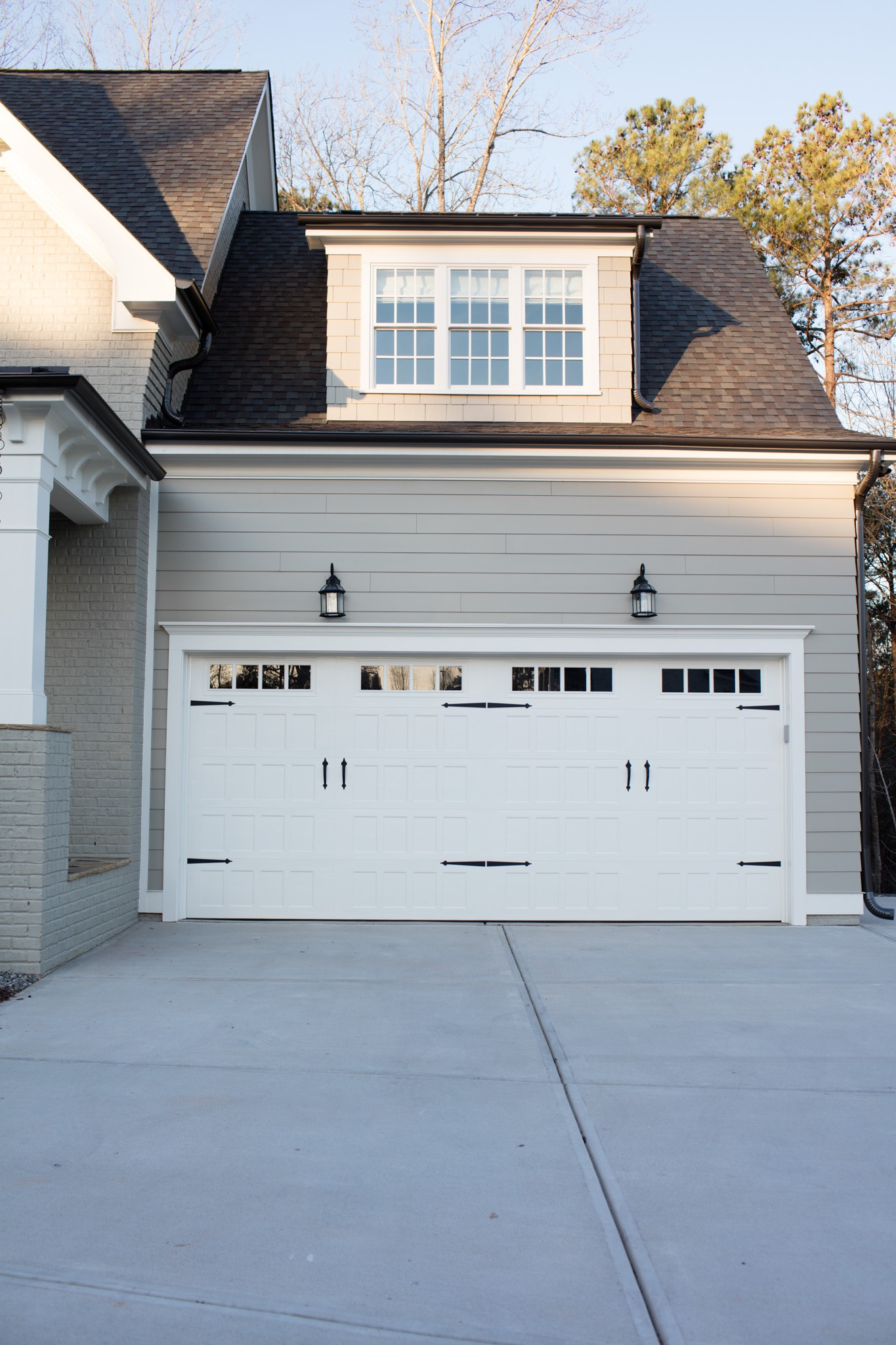 Carriage House Style Garage Door (Image 2 of 38)