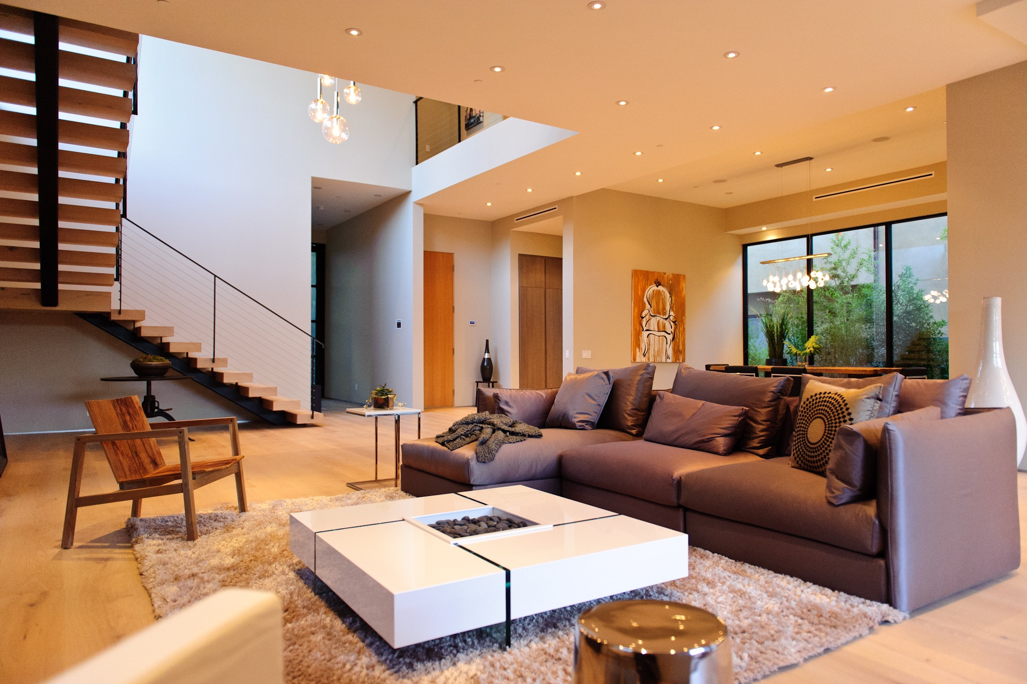 Featured Image of 30 Modern And Contemporary Living Room Design Ideas