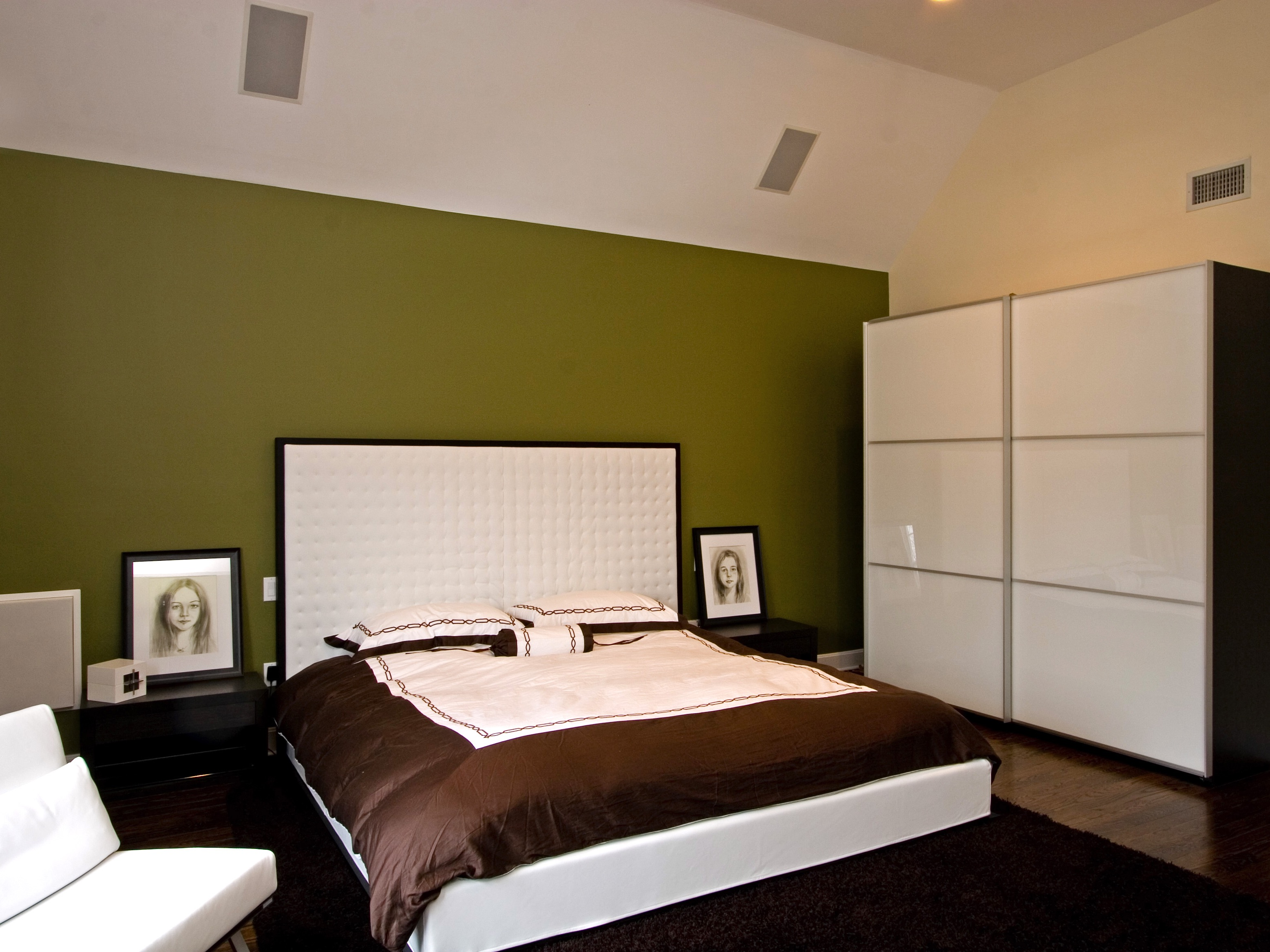 Contemporary Bedroom Wardrobe (Image 5 of 15)