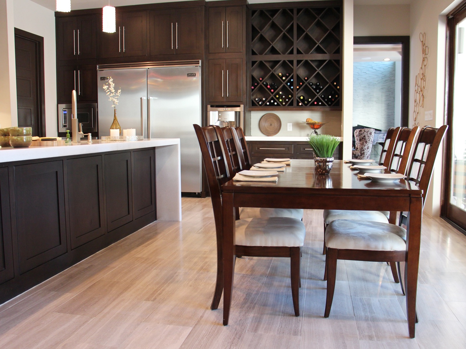 Contemporary Eat In Kitchen With Dark Wood Furniture (View 12 of 42)