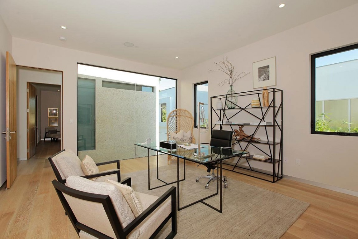 Contemporary Home Office Elegant Decor (View 12 of 50)