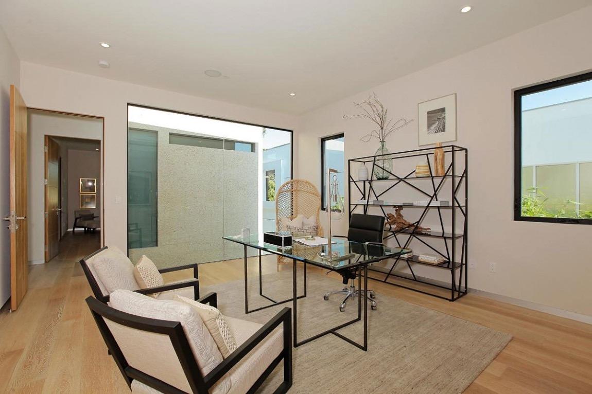 Contemporary Home Office Elegant Decor (Image 15 of 50)