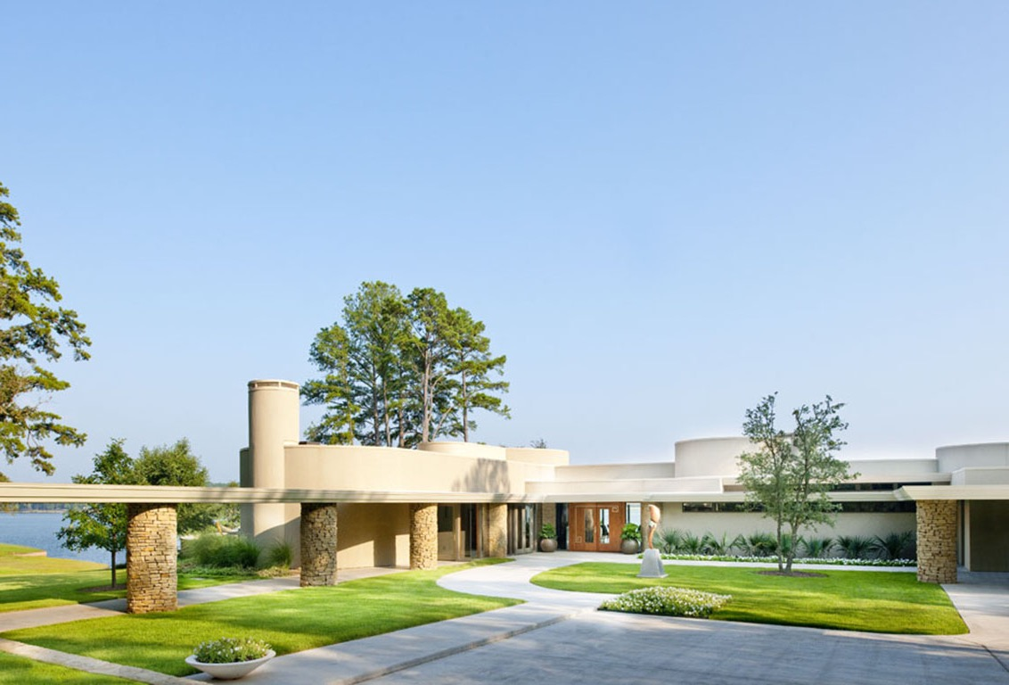 Contemporary Home With Modern Landscaping (Image 5 of 30)