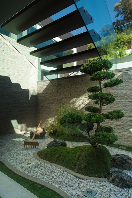 Contemporary Japanese Inspired Garden (Image 2 of 10)