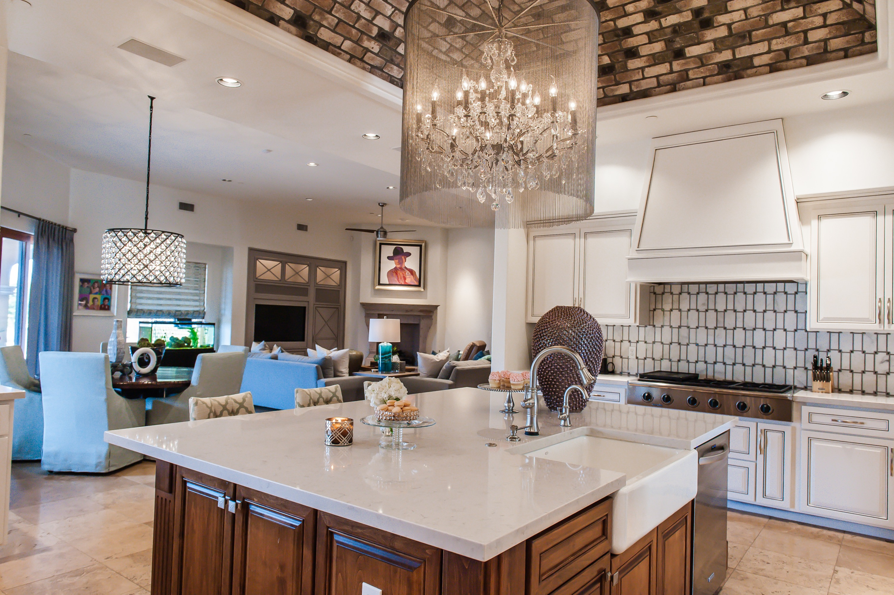 Dazzling Chandelier Lighting For Modern Kitchen (View 26 of 39)