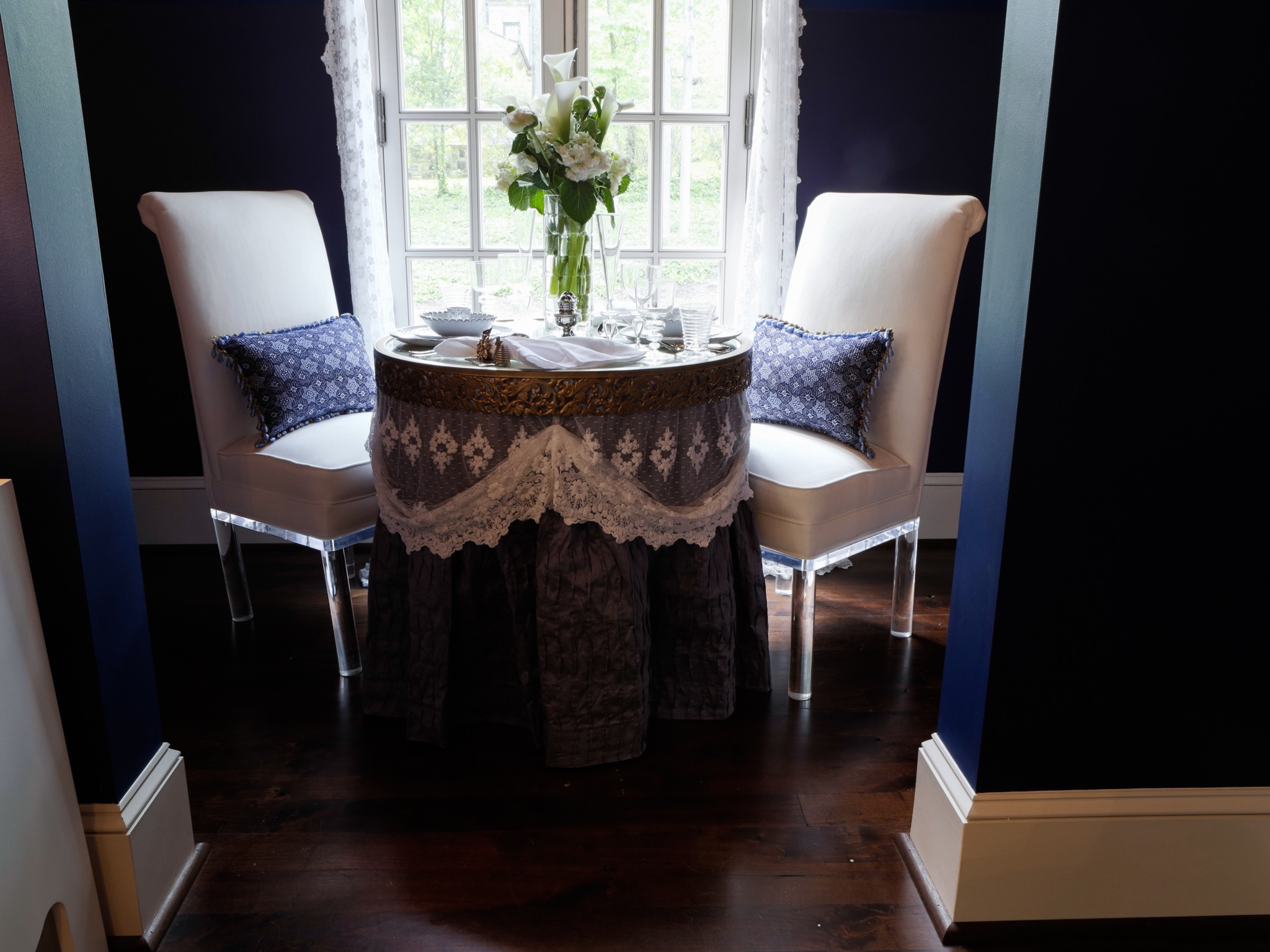 Dining Nook Decoration And Accessories (Image 15 of 25)