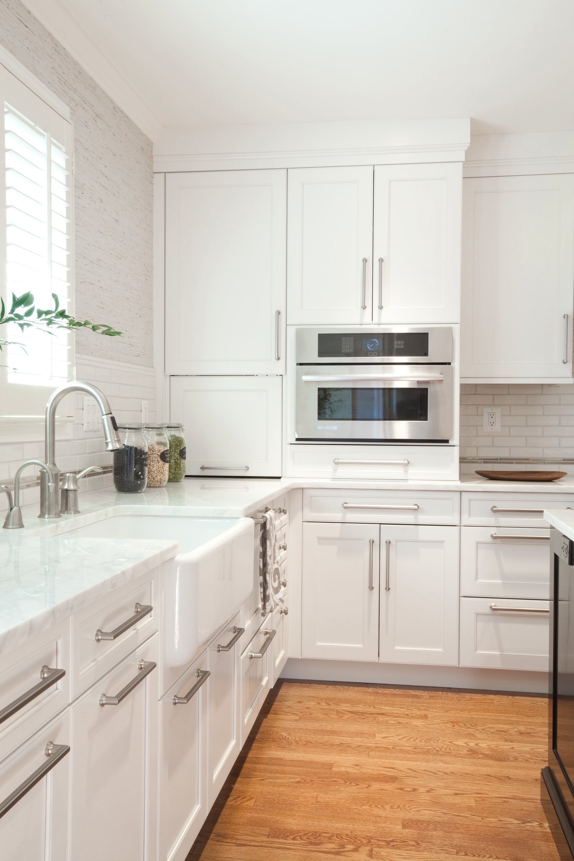 Dreamy White Kitchen Cabinets Paint (Image 5 of 18)