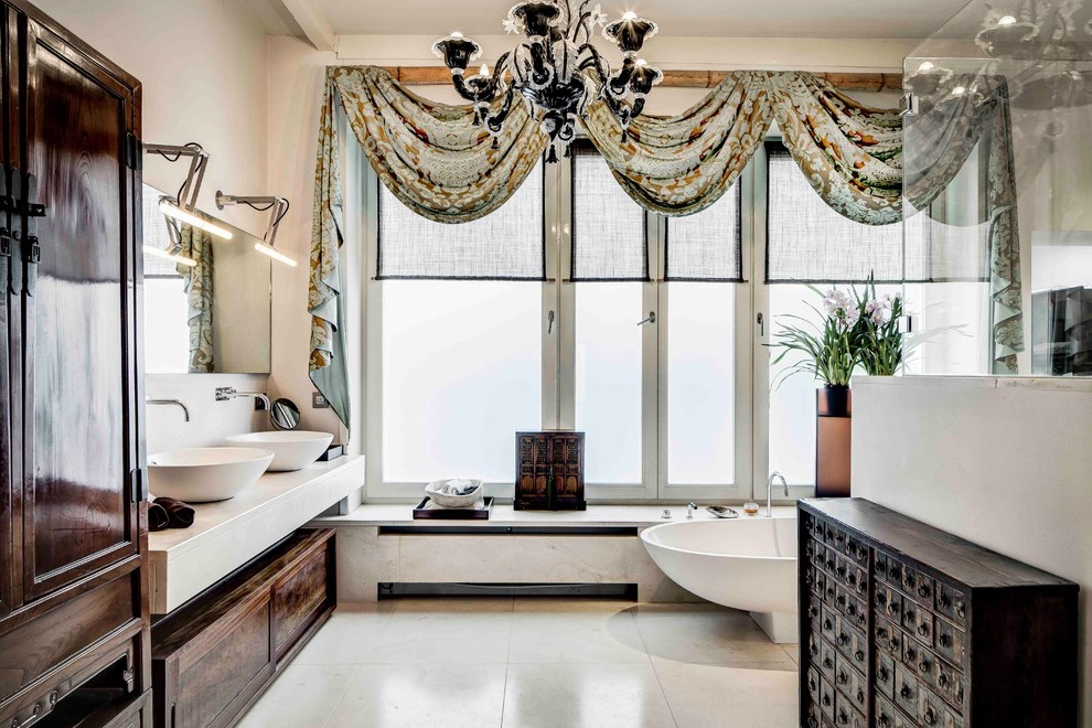 Ethnic Chic Bathroom Decoration With Classic Curtains (View 7 of 15)