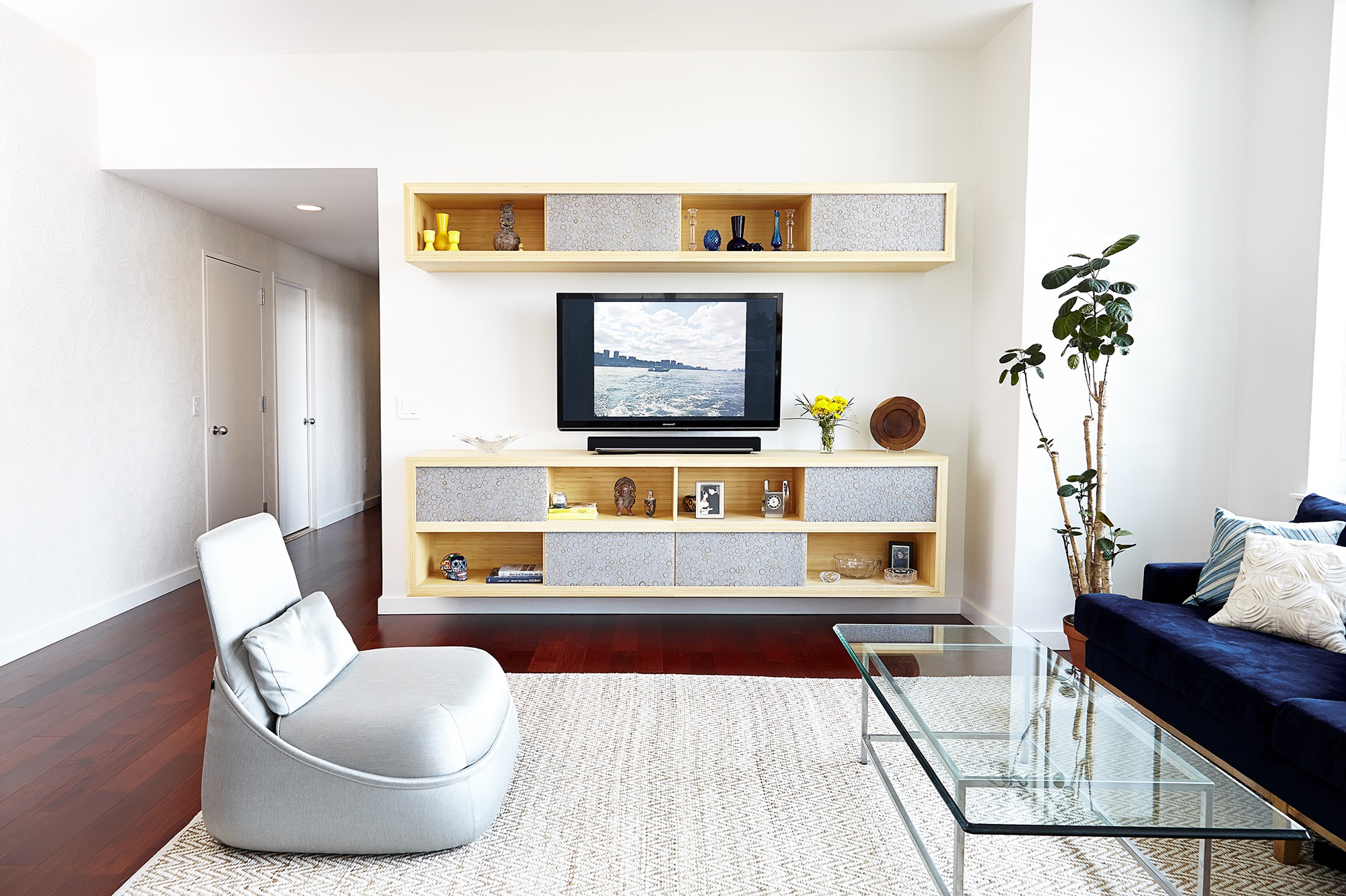 Floating Entertainment Center For Apartment Living Room (Image 8 of 15)
