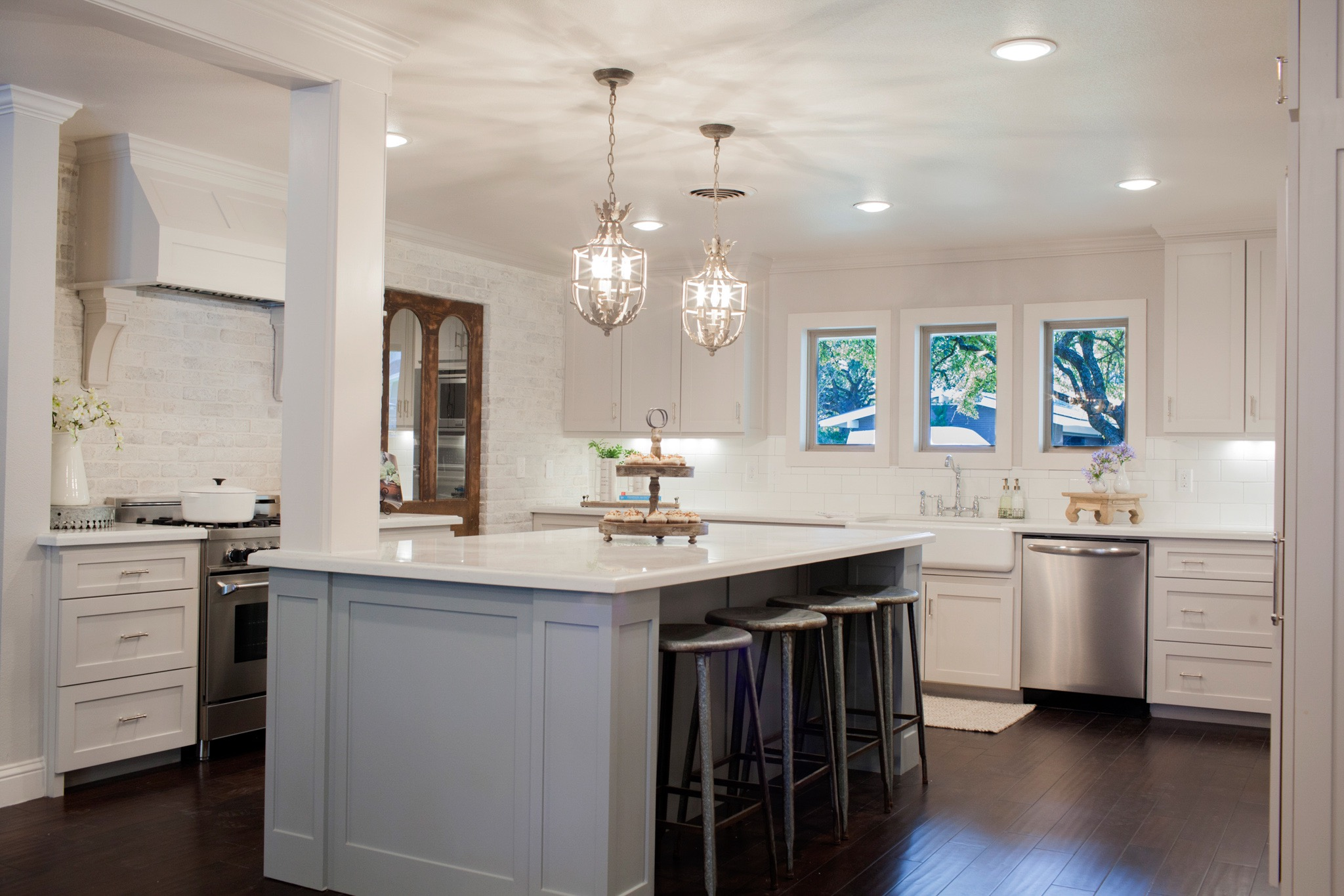 French Country Kitchen With Ceiling And Pendant Lights (View 19 of 39)