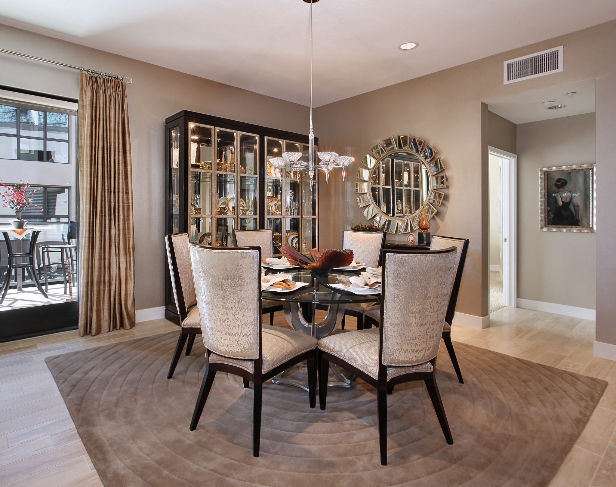Glamorous Formal Dining Room In Modern Design (Image 18 of 25)