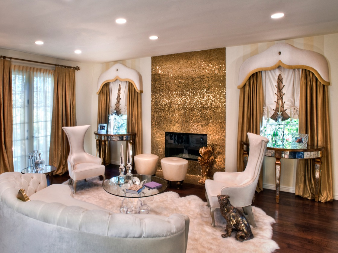 Glamour Living Room Decor With Gold Accents (Image 11 of 32)