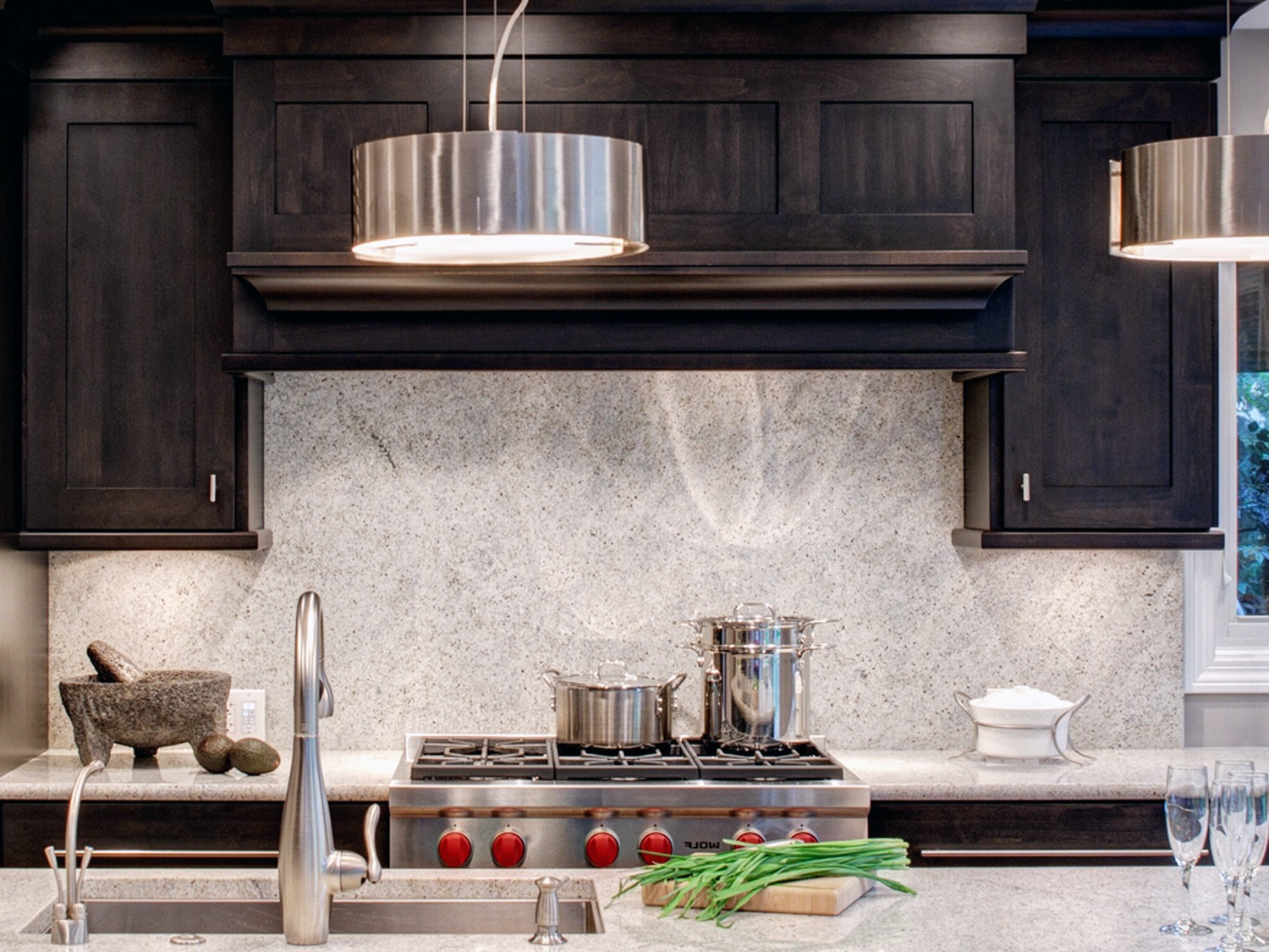 Granite Backsplash For Modern Kitchen (Image 10 of 32)