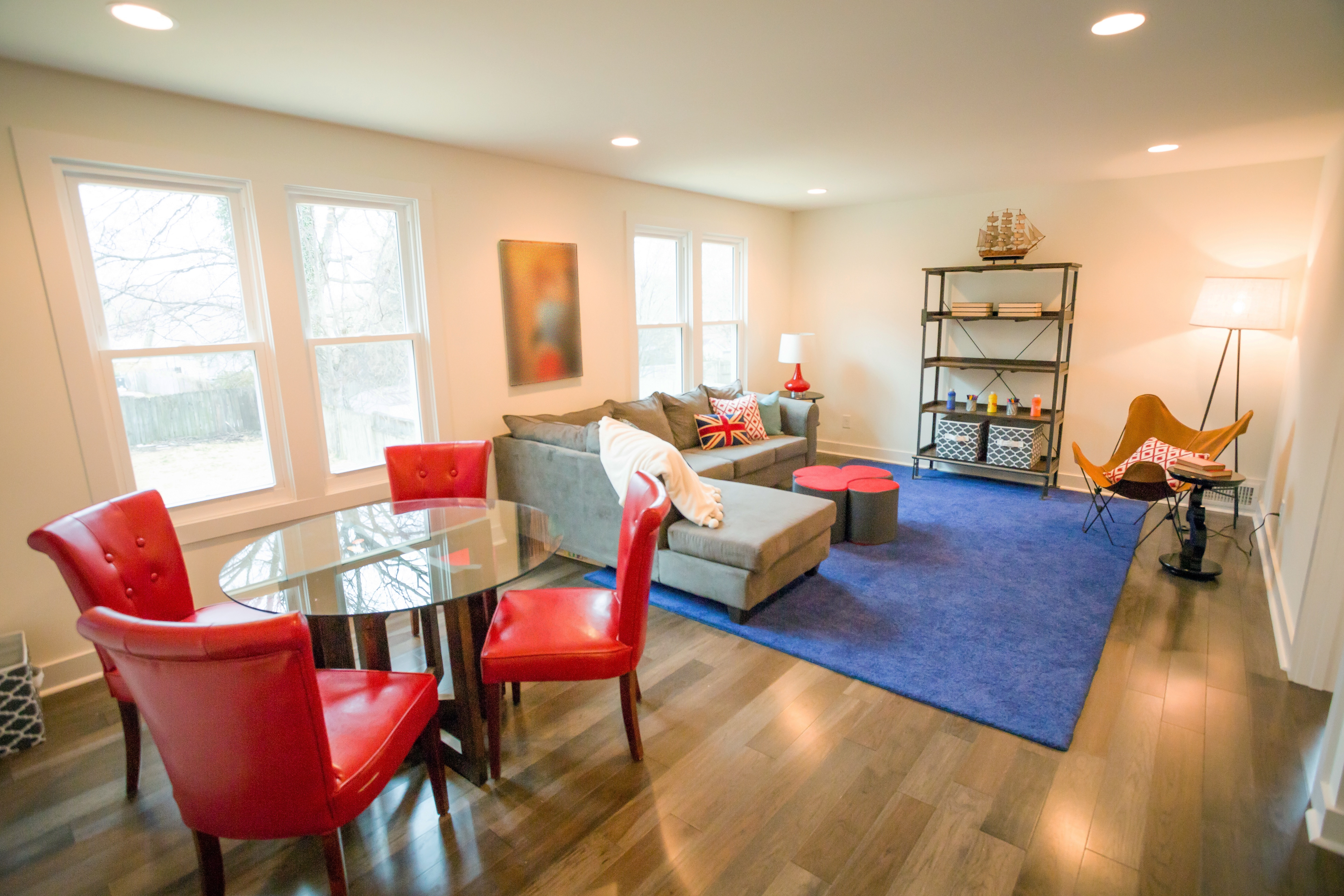 Living Space With Small Dining Area Decor (Image 20 of 32)