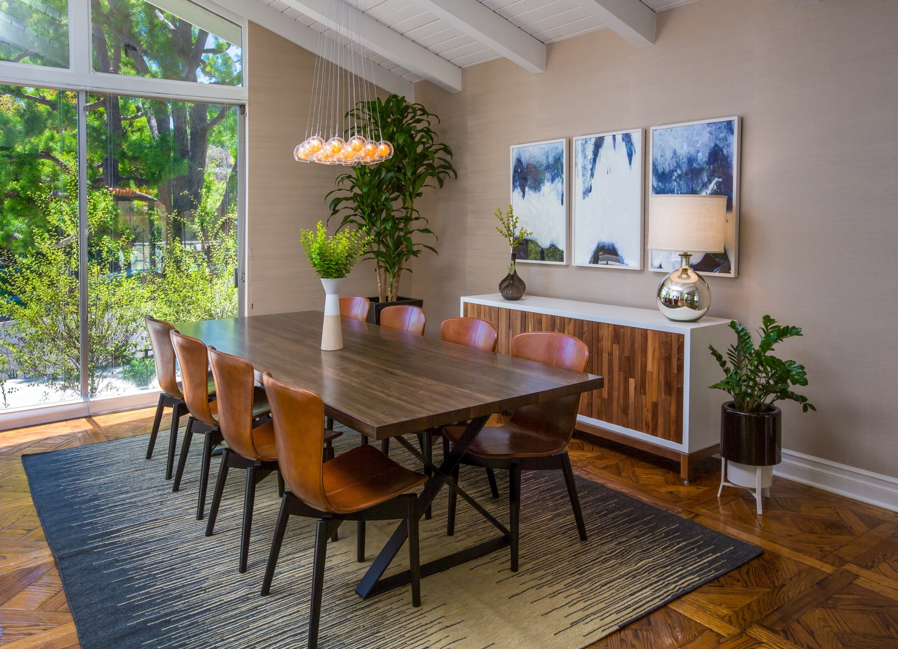 Midcentury Modern Dining Room With Silver Lamp (Photo 22 of 32)